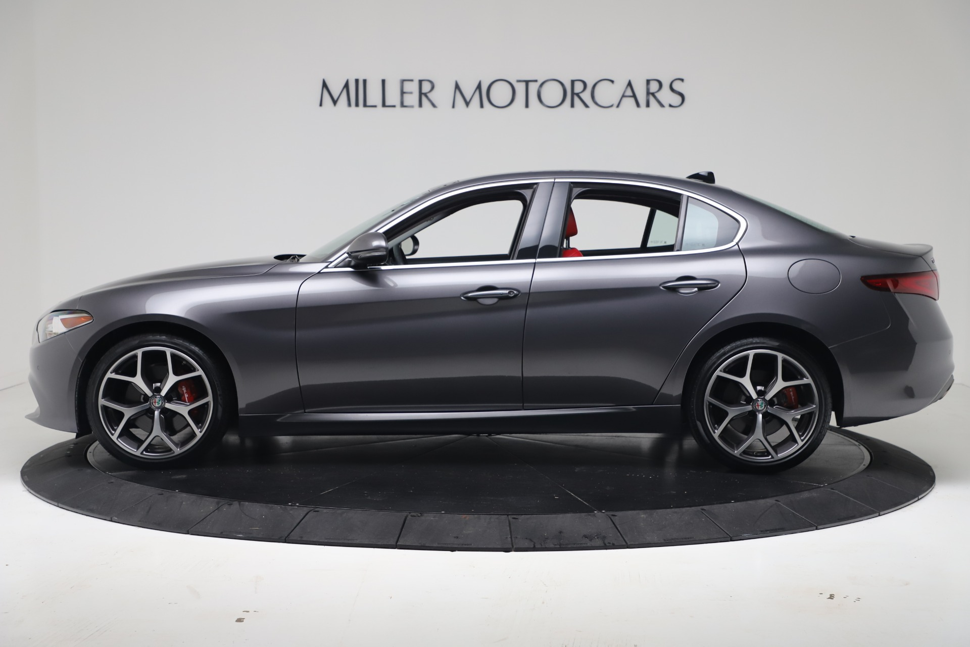 New 2019 Alfa Romeo Giulia Q4 For Sale In Greenwich, CT 2669_p3