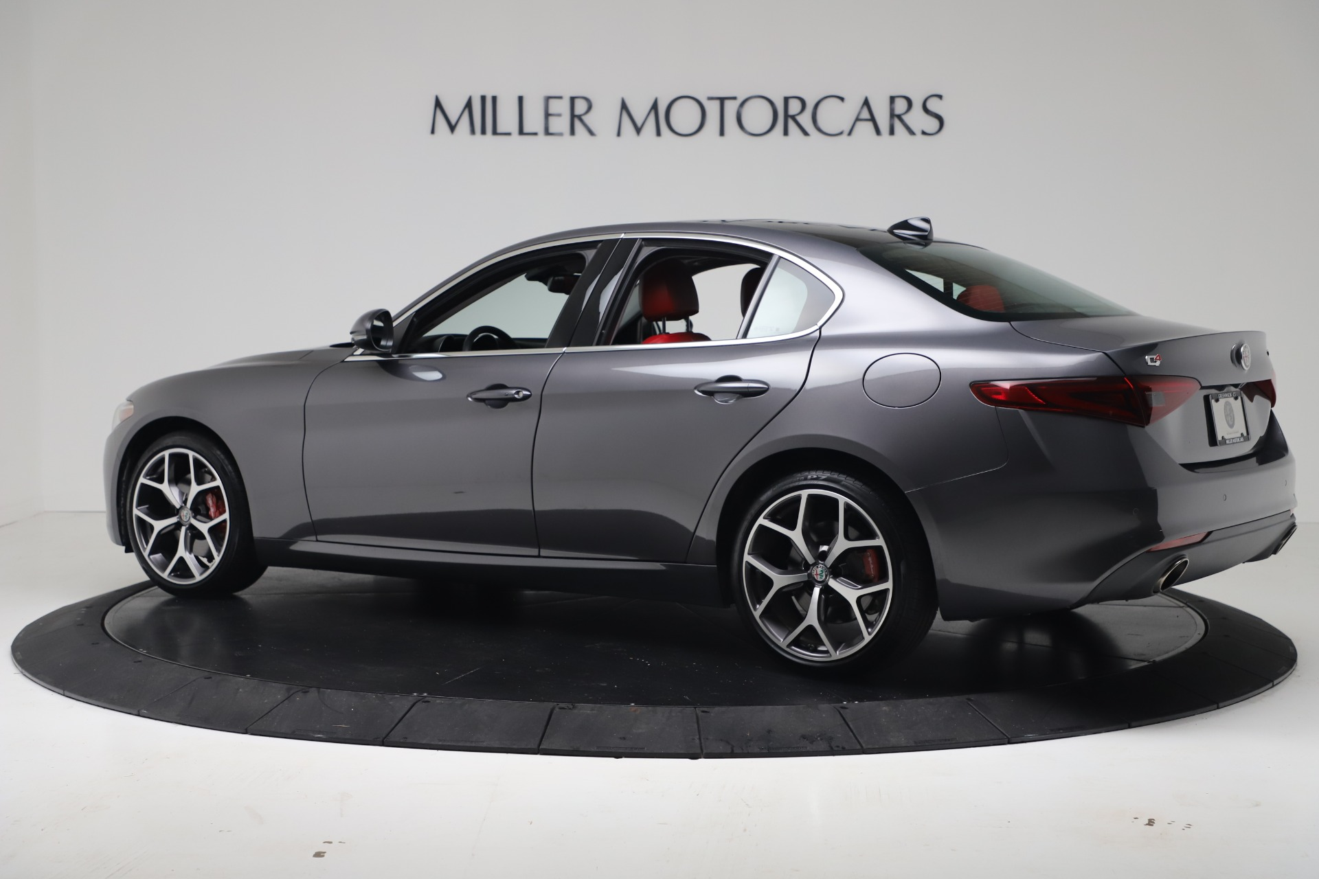 New 2019 Alfa Romeo Giulia Q4 For Sale In Greenwich, CT 2669_p4