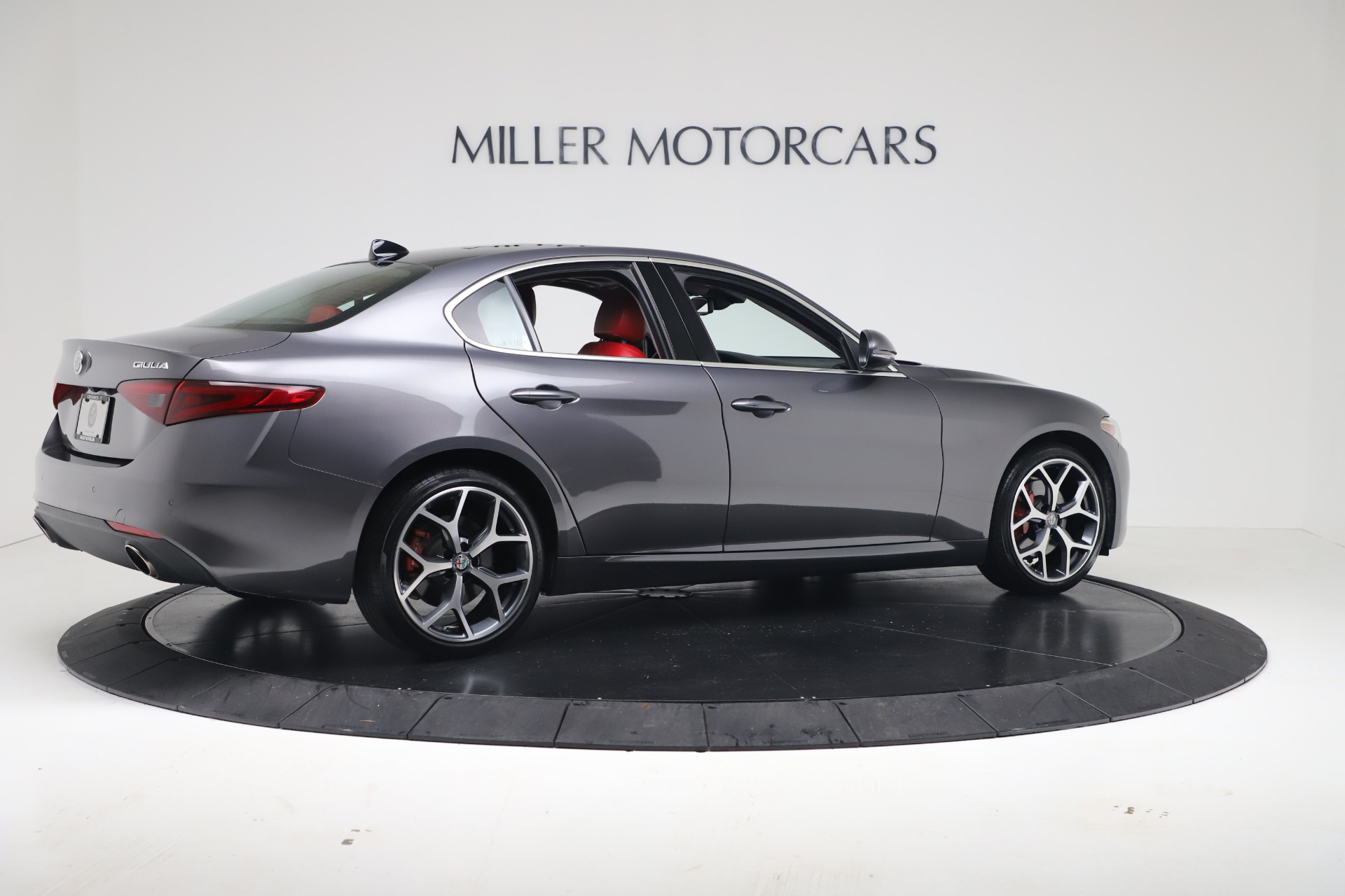 New 2019 Alfa Romeo Giulia Q4 For Sale In Greenwich, CT 2669_p8