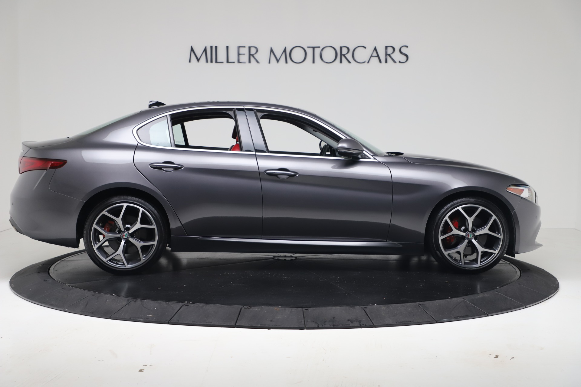 New 2019 Alfa Romeo Giulia Q4 For Sale In Greenwich, CT 2669_p9