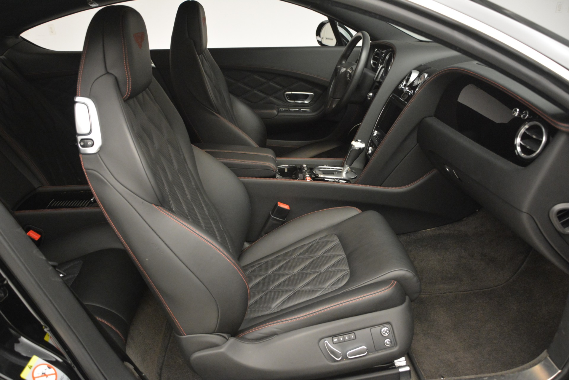 Used 2012 Bentley Continental GT W12 For Sale In Greenwich, CT 2671_p27