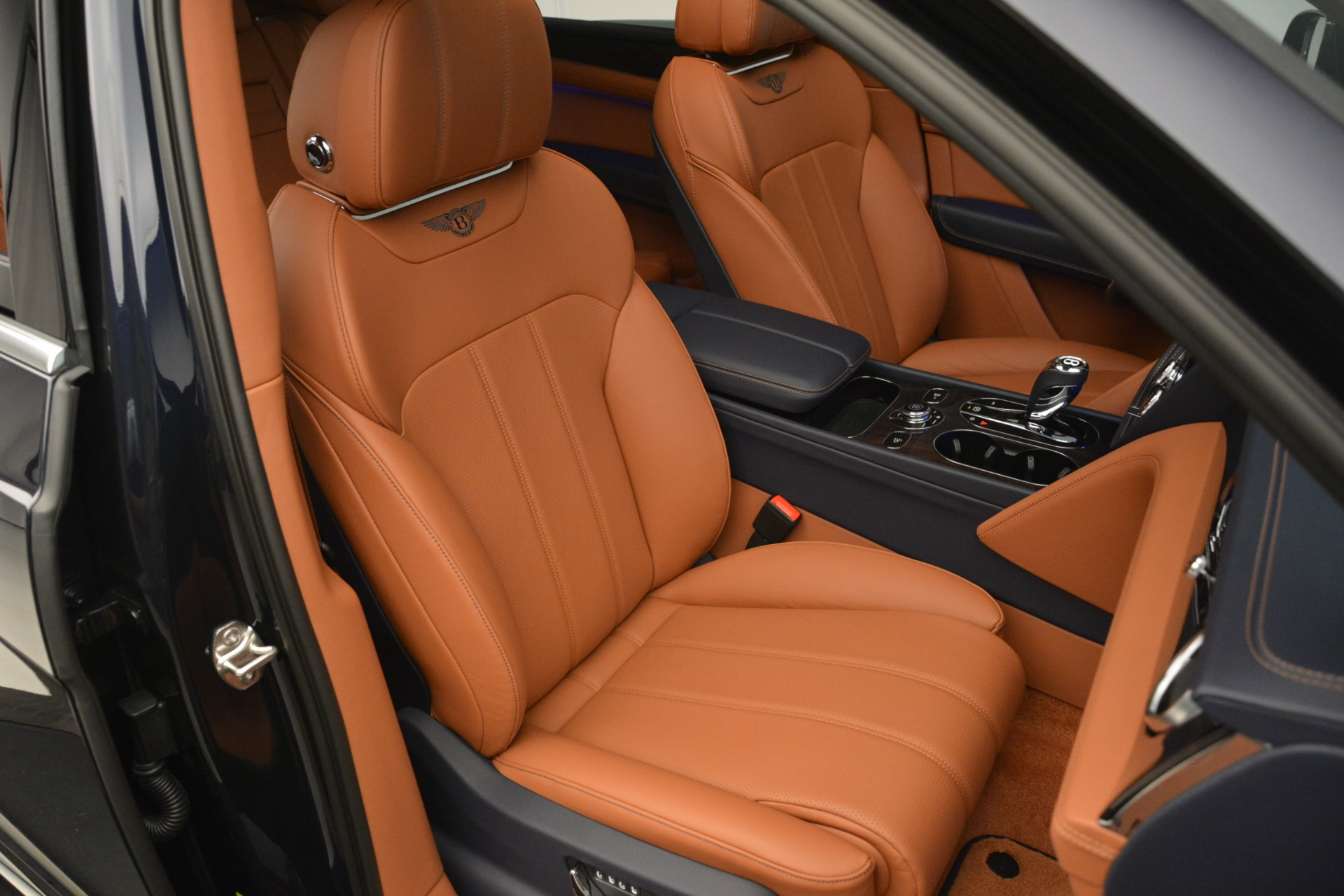 New 2019 Bentley Bentayga V8 For Sale In Greenwich, CT 2672_p29