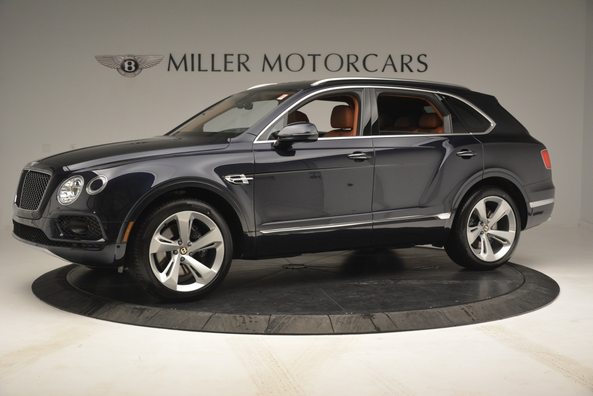 New 2019 Bentley Bentayga V8 For Sale In Greenwich, CT 2672_p2