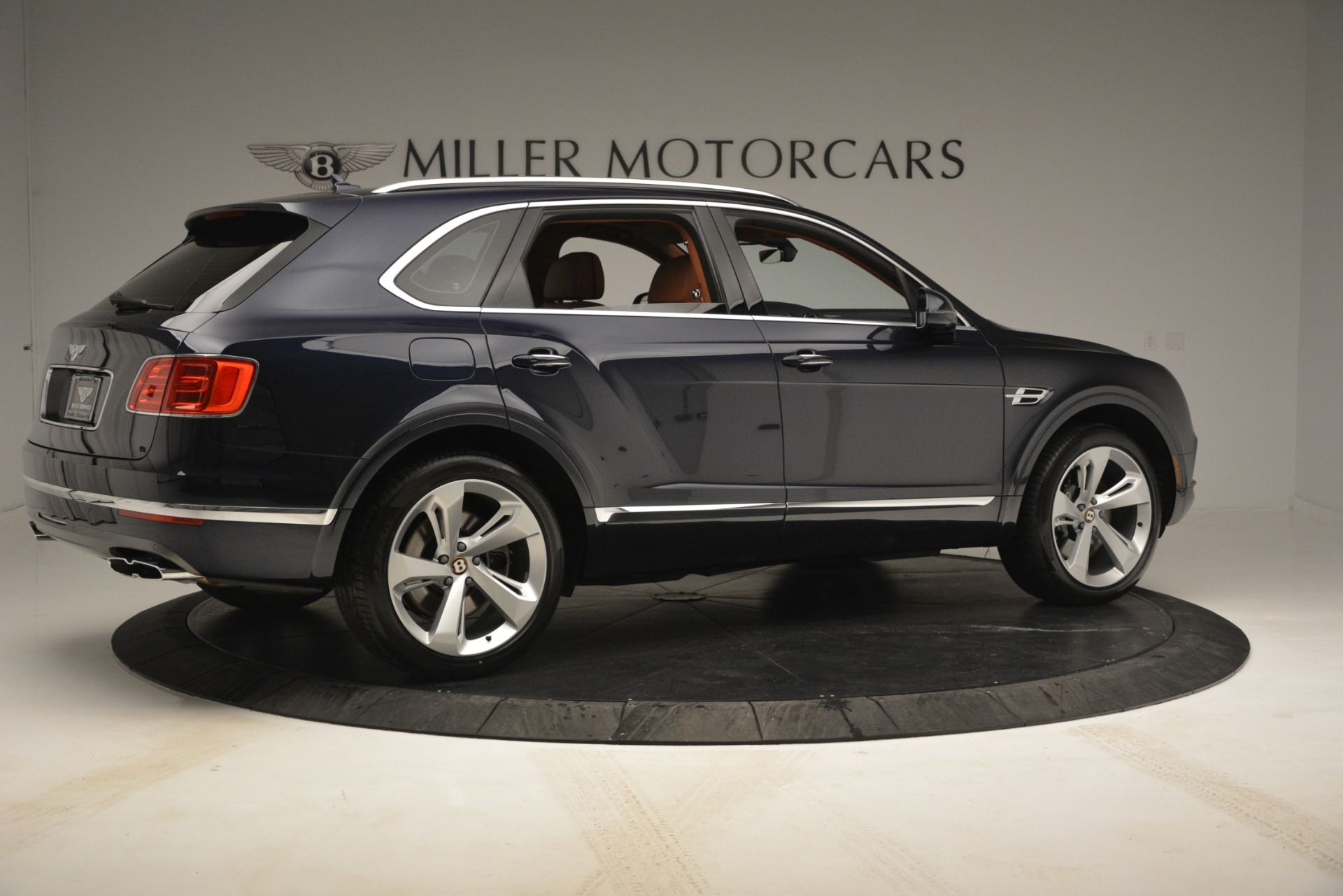 New 2019 Bentley Bentayga V8 For Sale In Greenwich, CT 2672_p8