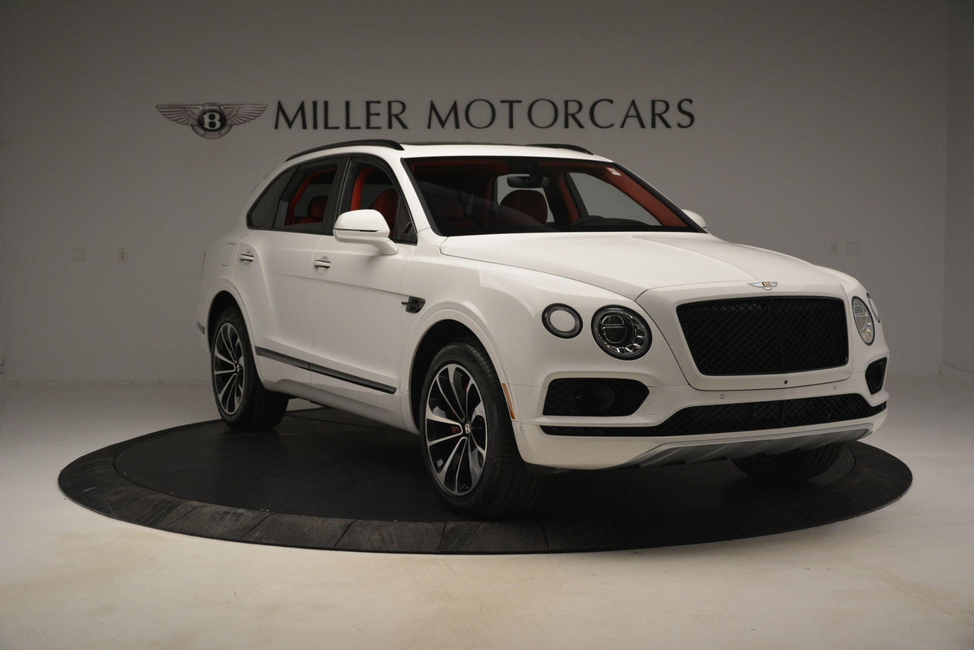 New 2019 Bentley Bentayga V8 For Sale In Greenwich, CT 2673_p11