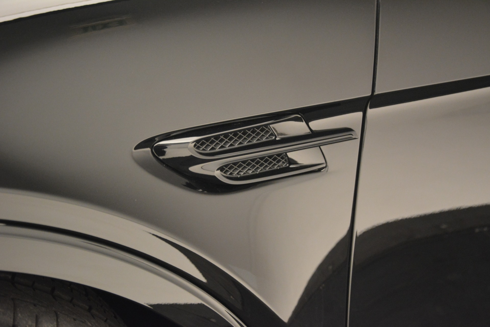 New 2019 Bentley Bentayga V8 For Sale In Greenwich, CT 2675_p14