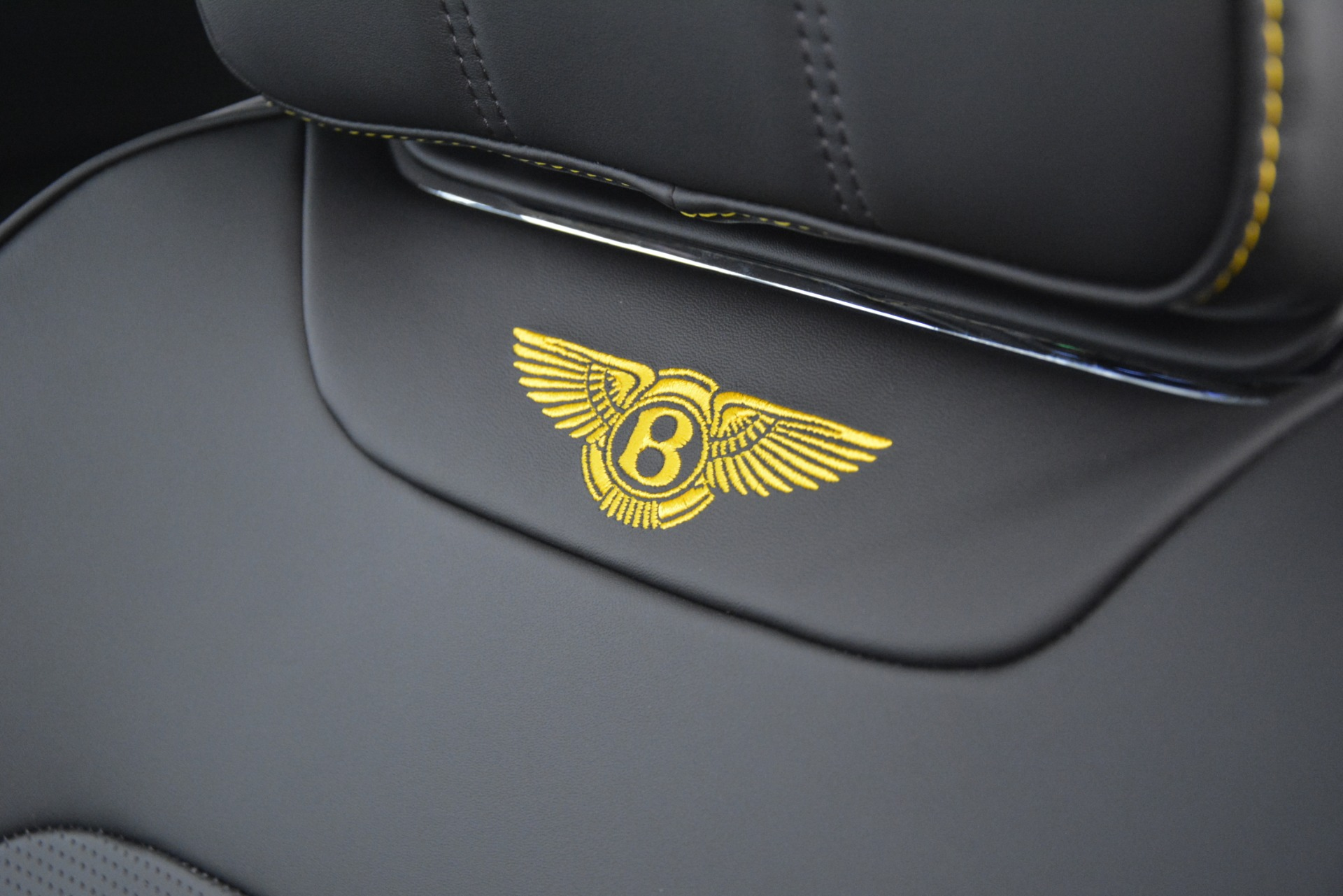 New 2019 Bentley Bentayga V8 For Sale In Greenwich, CT 2675_p24