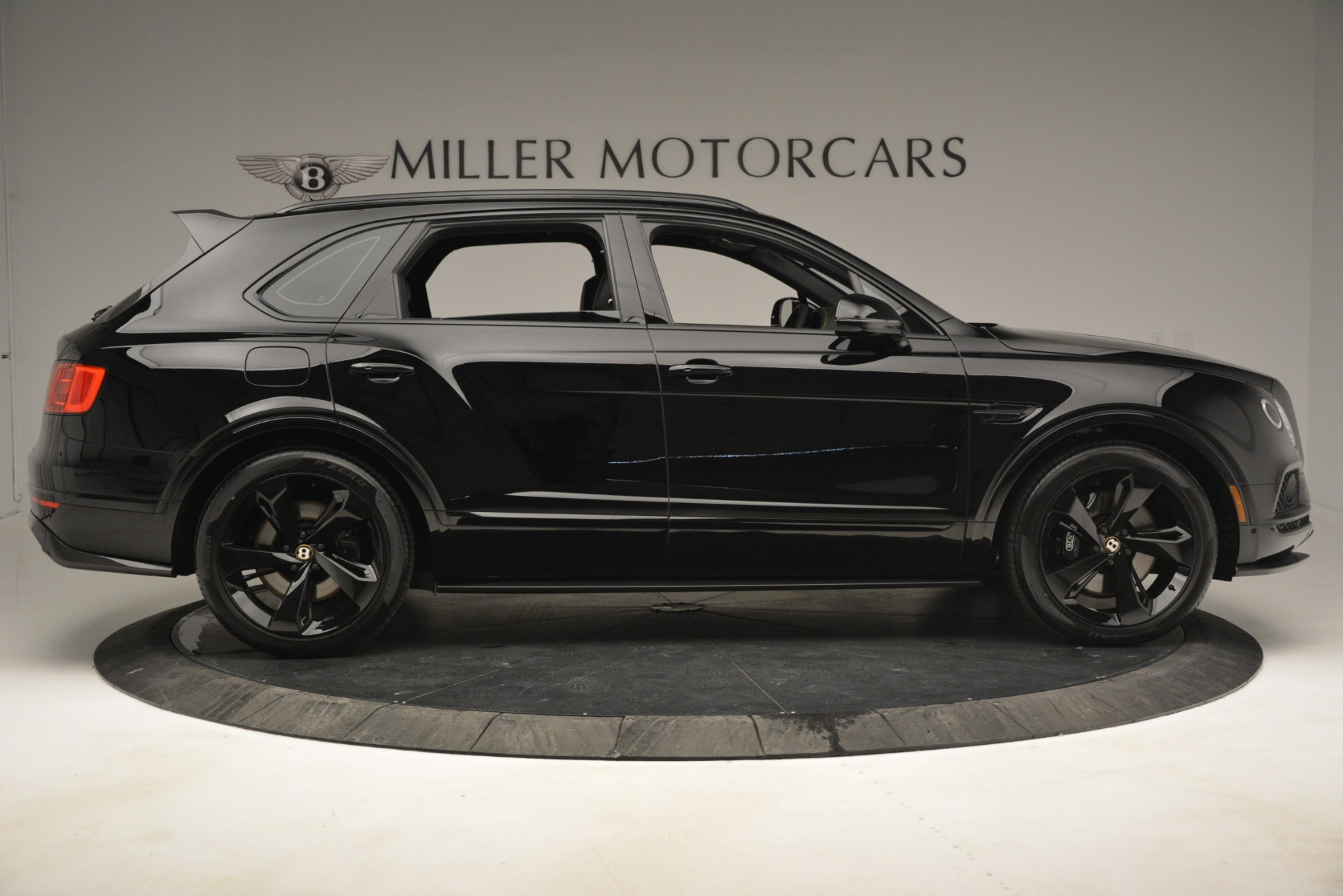 New 2019 Bentley Bentayga V8 For Sale In Greenwich, CT 2675_p9