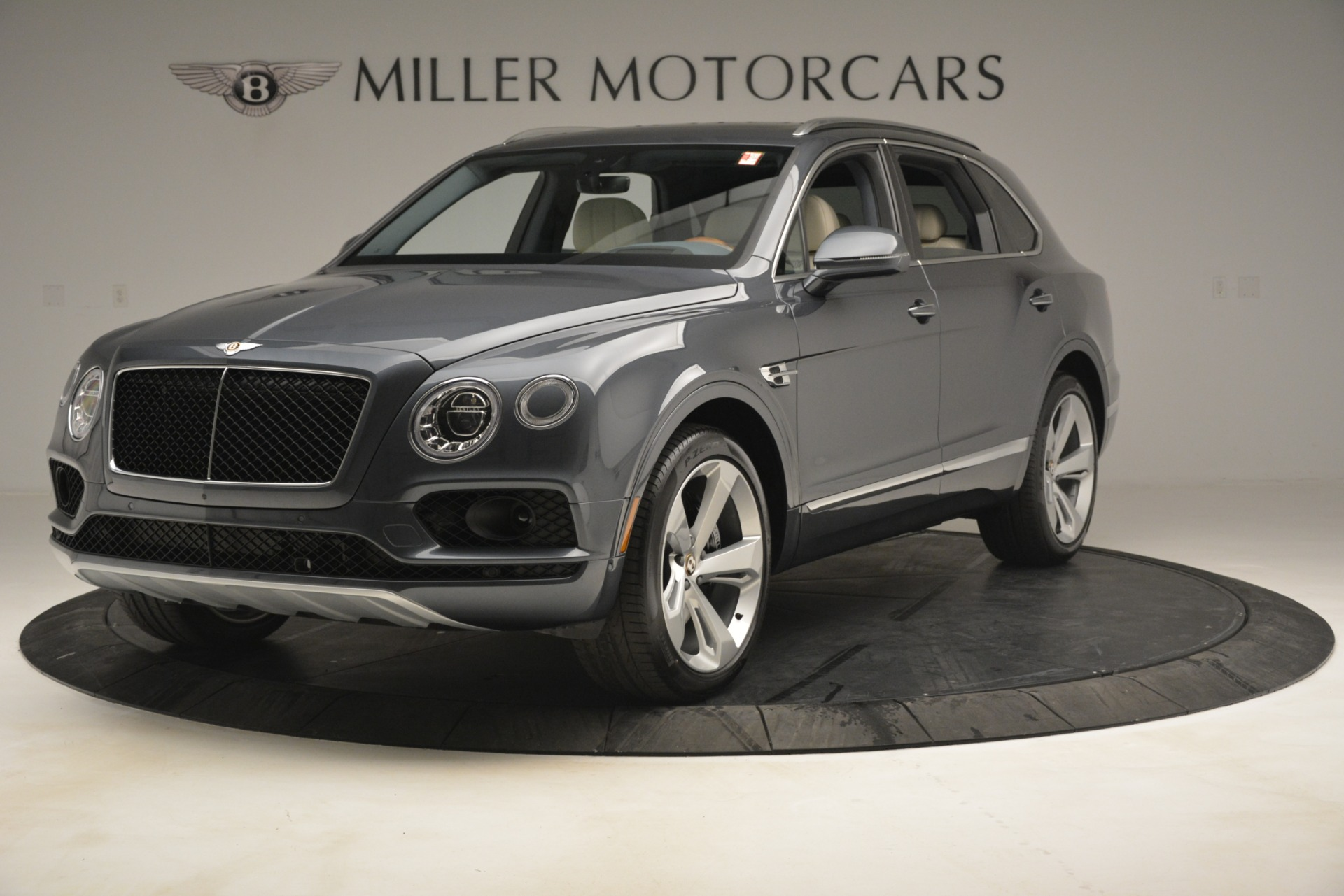 New 2019 Bentley Bentayga V8 For Sale In Greenwich, CT 2676_main
