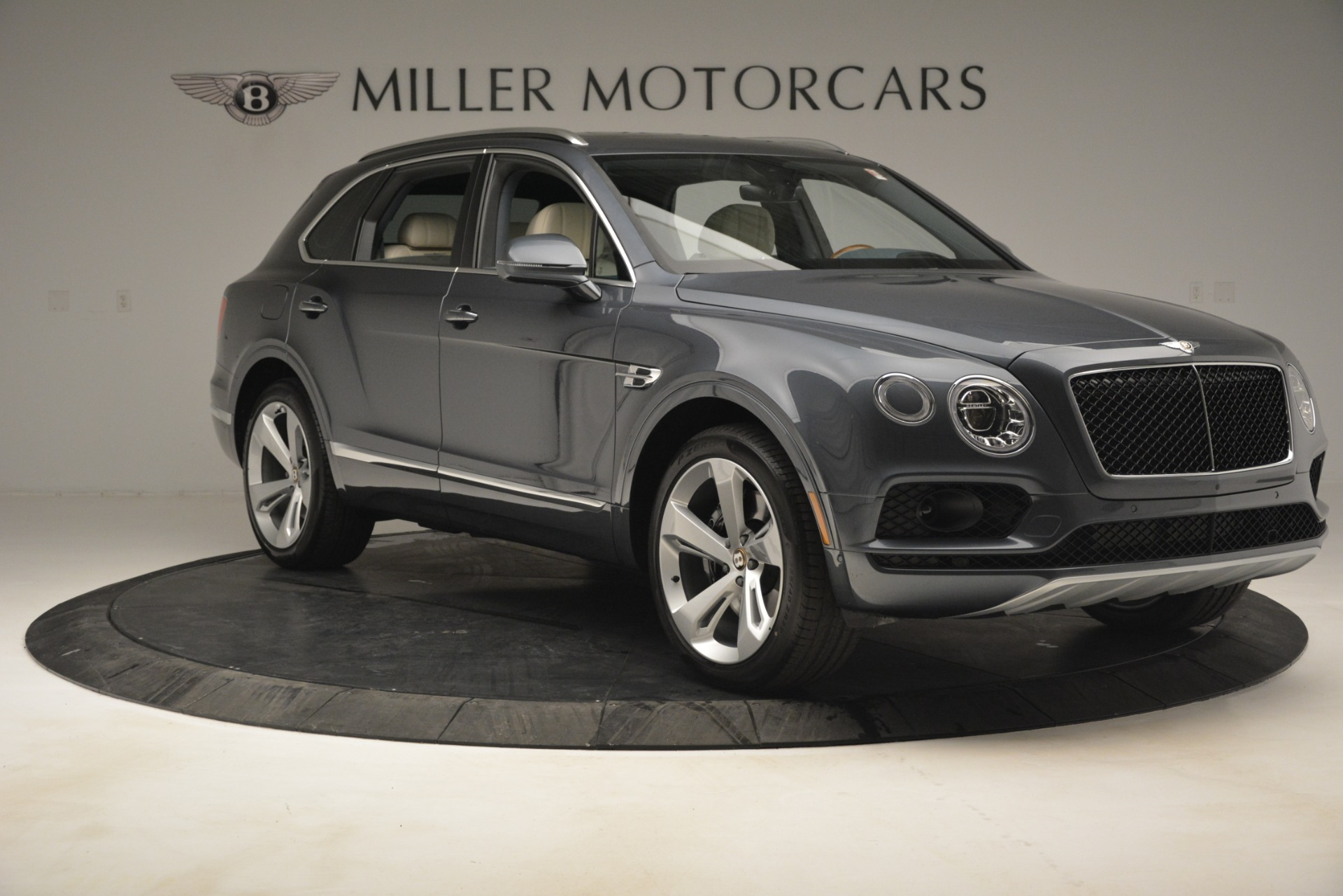 New 2019 Bentley Bentayga V8 For Sale In Greenwich, CT 2676_p12