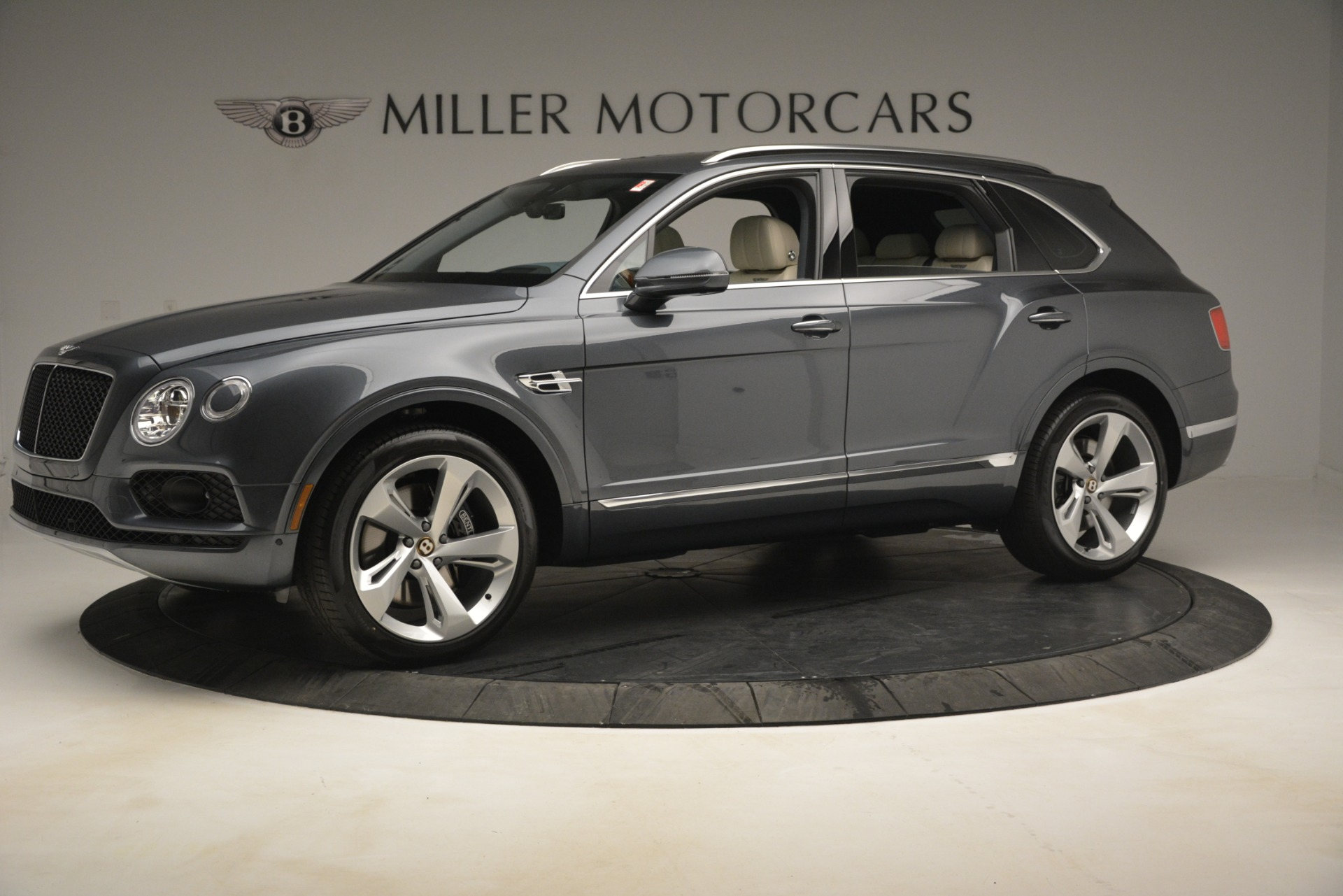 New 2019 Bentley Bentayga V8 For Sale In Greenwich, CT 2676_p2