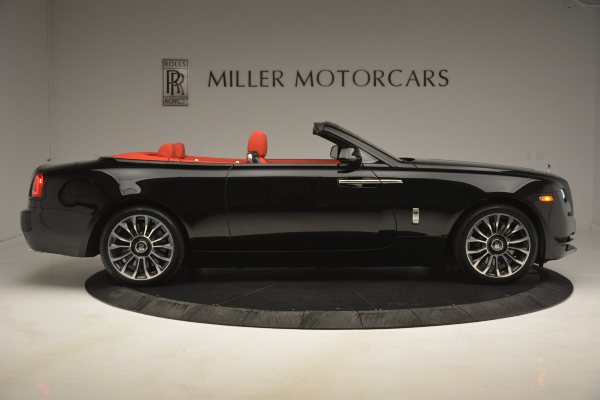 New 2019 Rolls-Royce Dawn  For Sale In Greenwich, CT 2681_p11