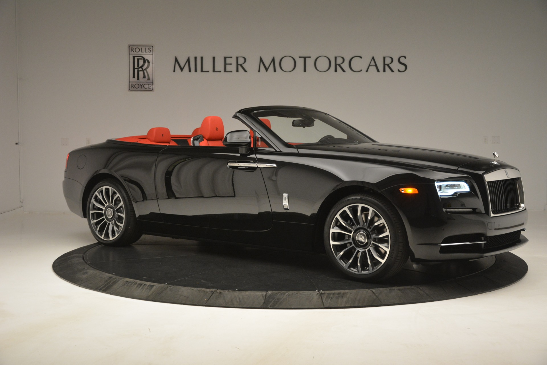 New 2019 Rolls-Royce Dawn  For Sale In Greenwich, CT 2681_p12