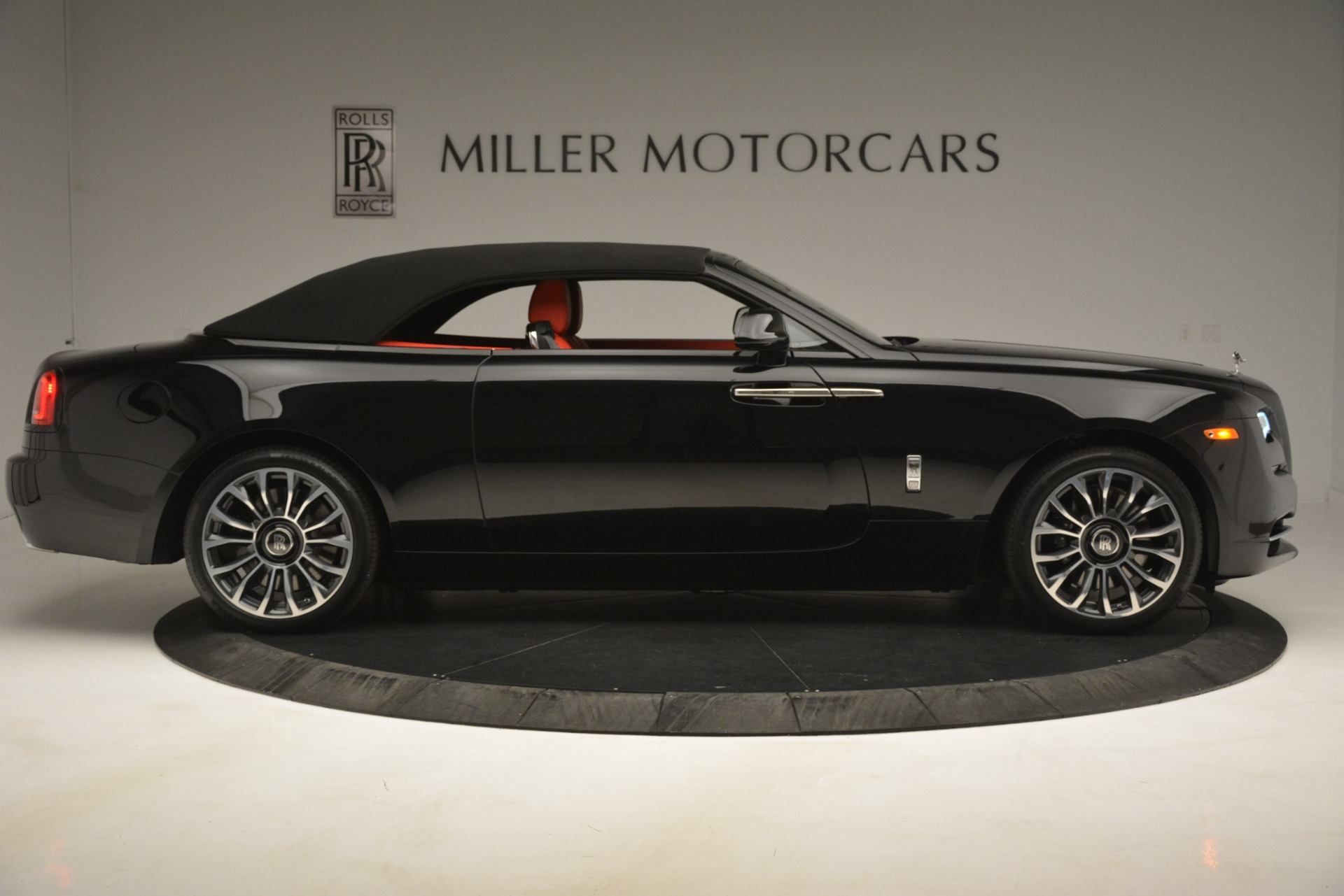 New 2019 Rolls-Royce Dawn  For Sale In Greenwich, CT 2681_p25