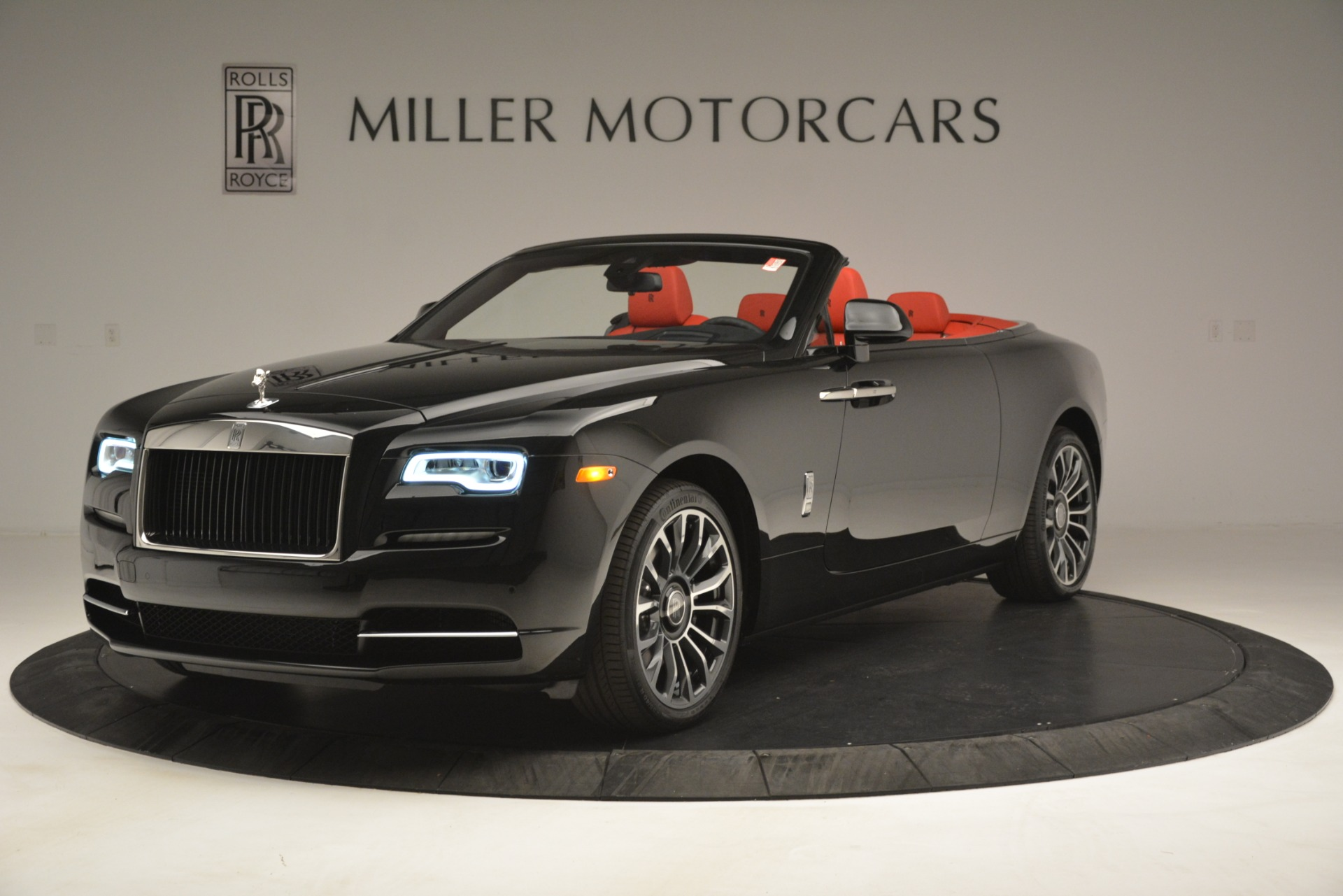 New 2019 Rolls-Royce Dawn  For Sale In Greenwich, CT 2681_p3