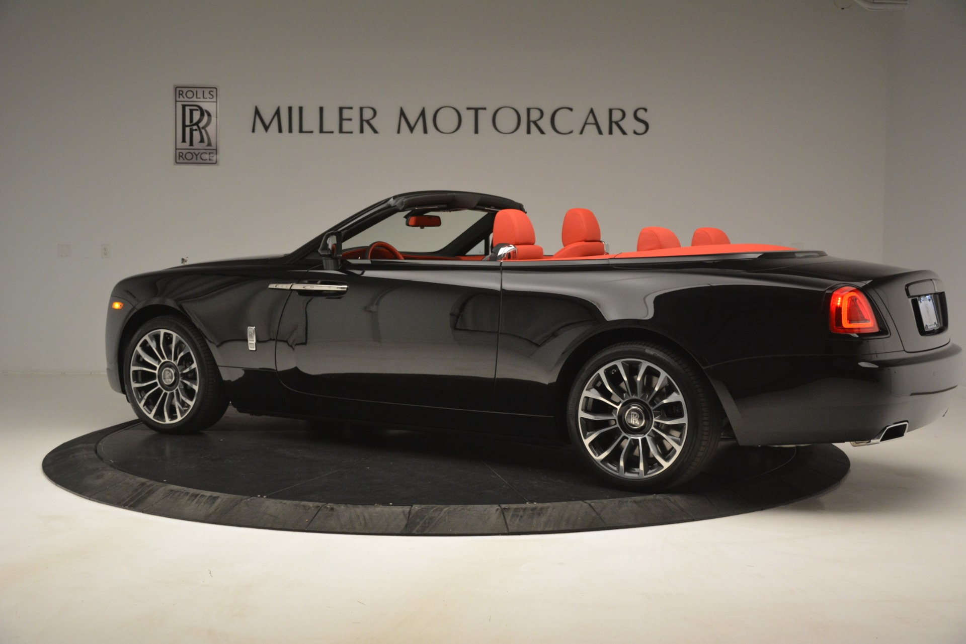New 2019 Rolls-Royce Dawn  For Sale In Greenwich, CT 2681_p5