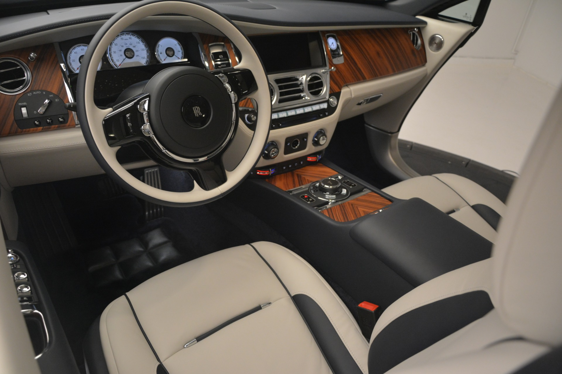 New 2019 Rolls-Royce Wraith  For Sale In Greenwich, CT 2686_p28