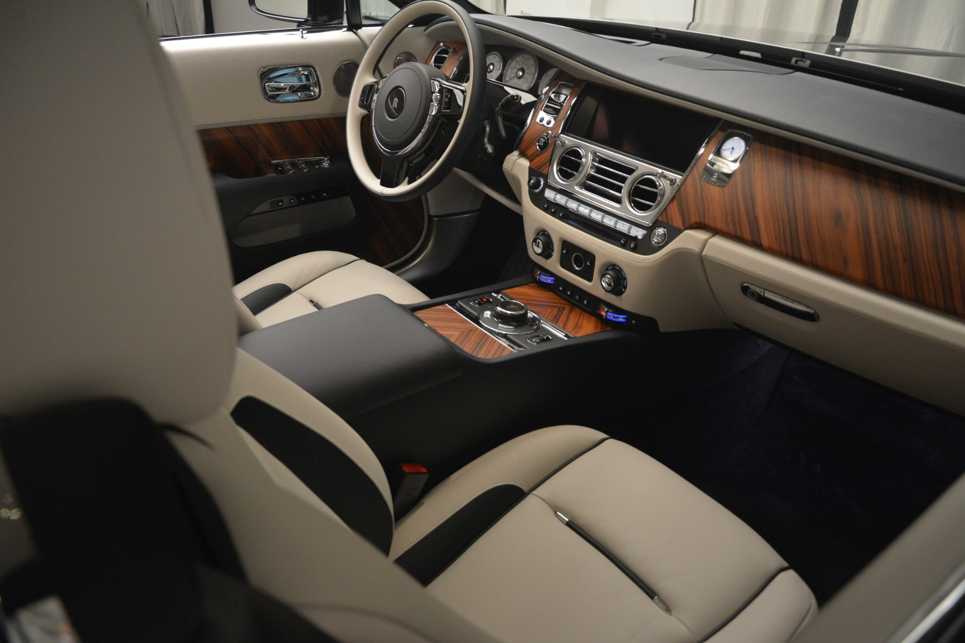 New 2019 Rolls-Royce Wraith  For Sale In Greenwich, CT 2686_p30