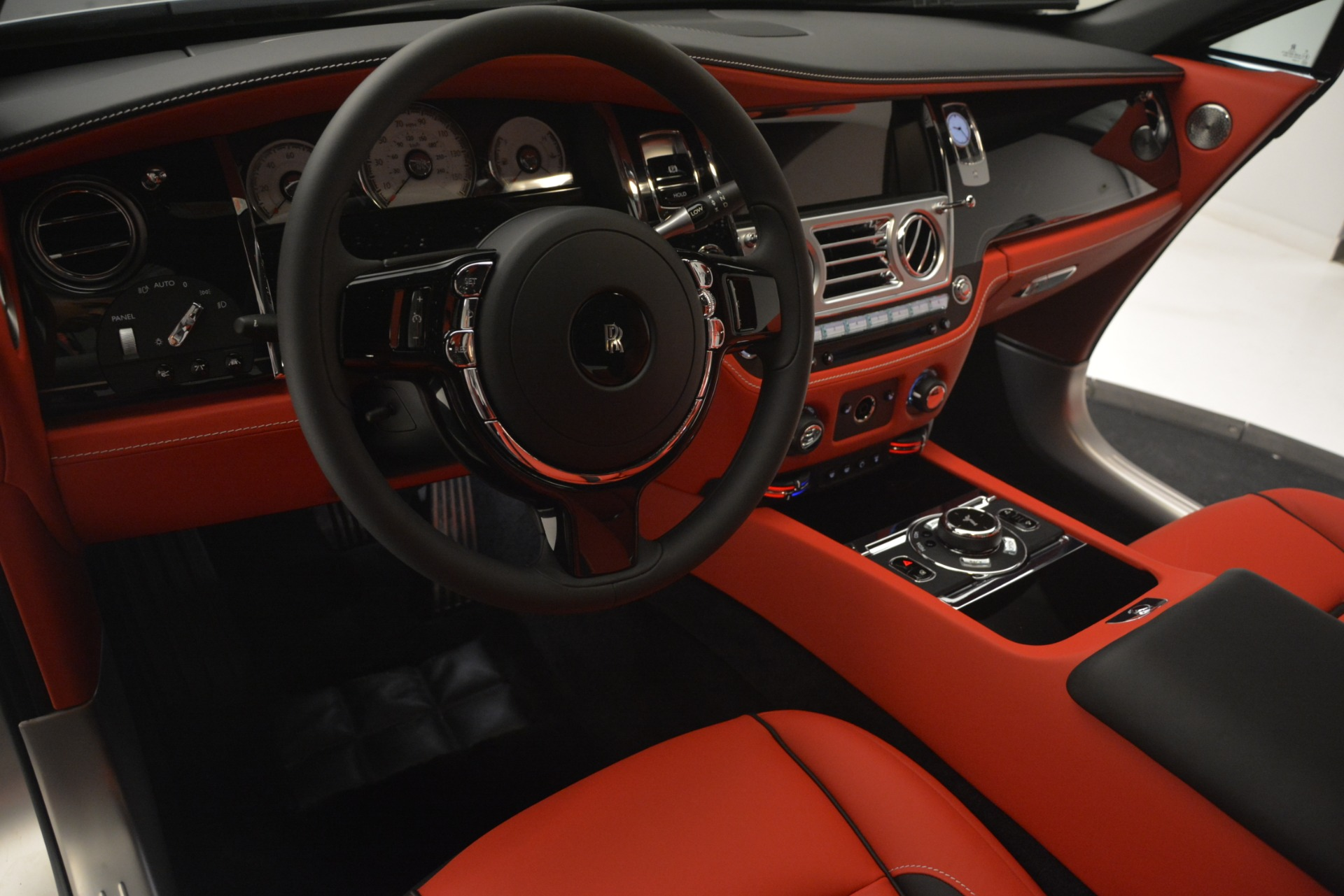 New 2019 Rolls-Royce Wraith  For Sale In Greenwich, CT 2687_p24