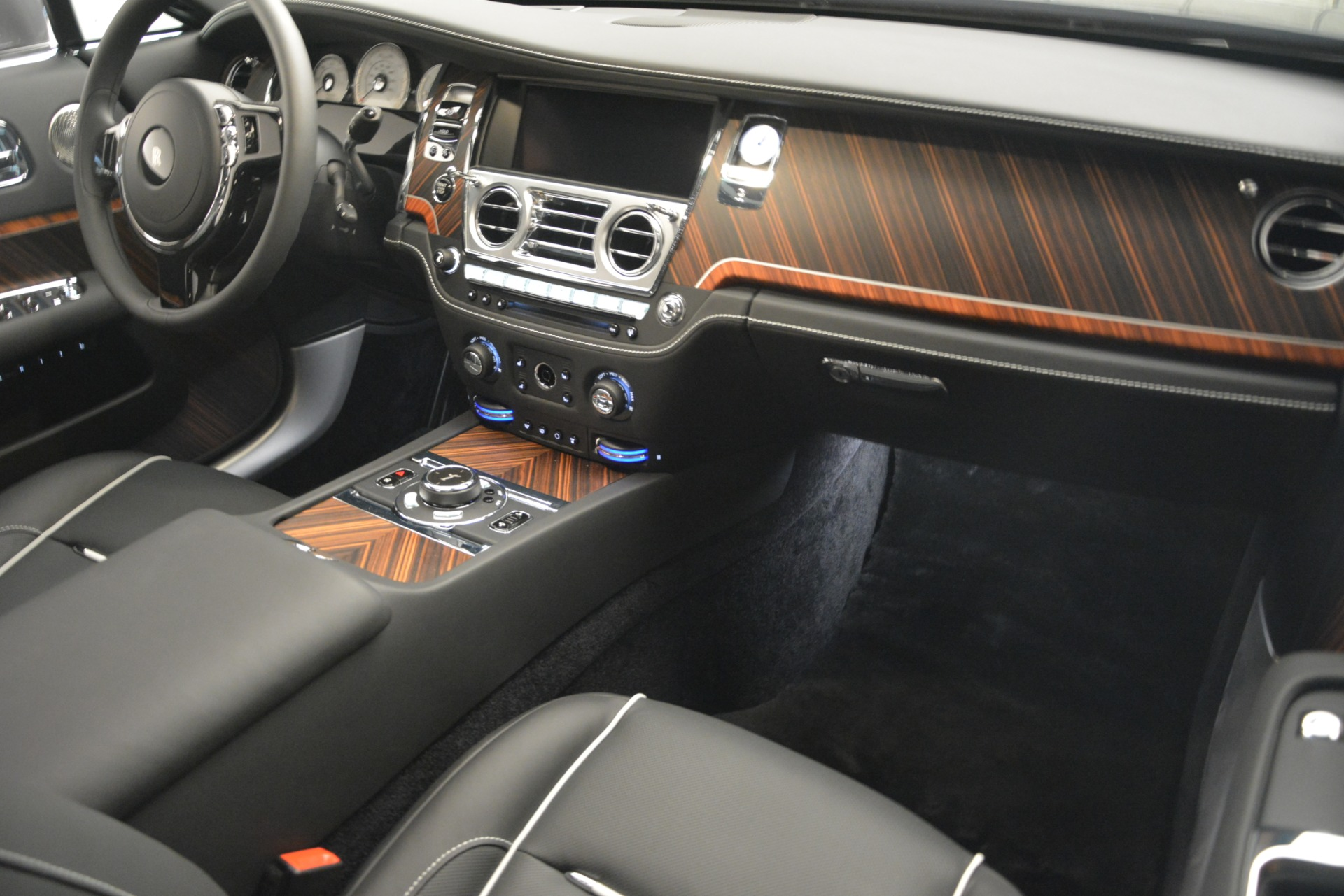 Used 2019 Rolls-Royce Wraith  For Sale In Greenwich, CT 2688_p22