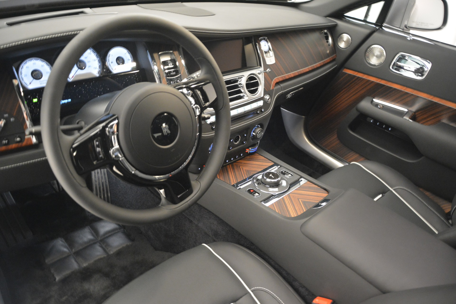 Used 2019 Rolls-Royce Wraith  For Sale In Greenwich, CT 2688_p23