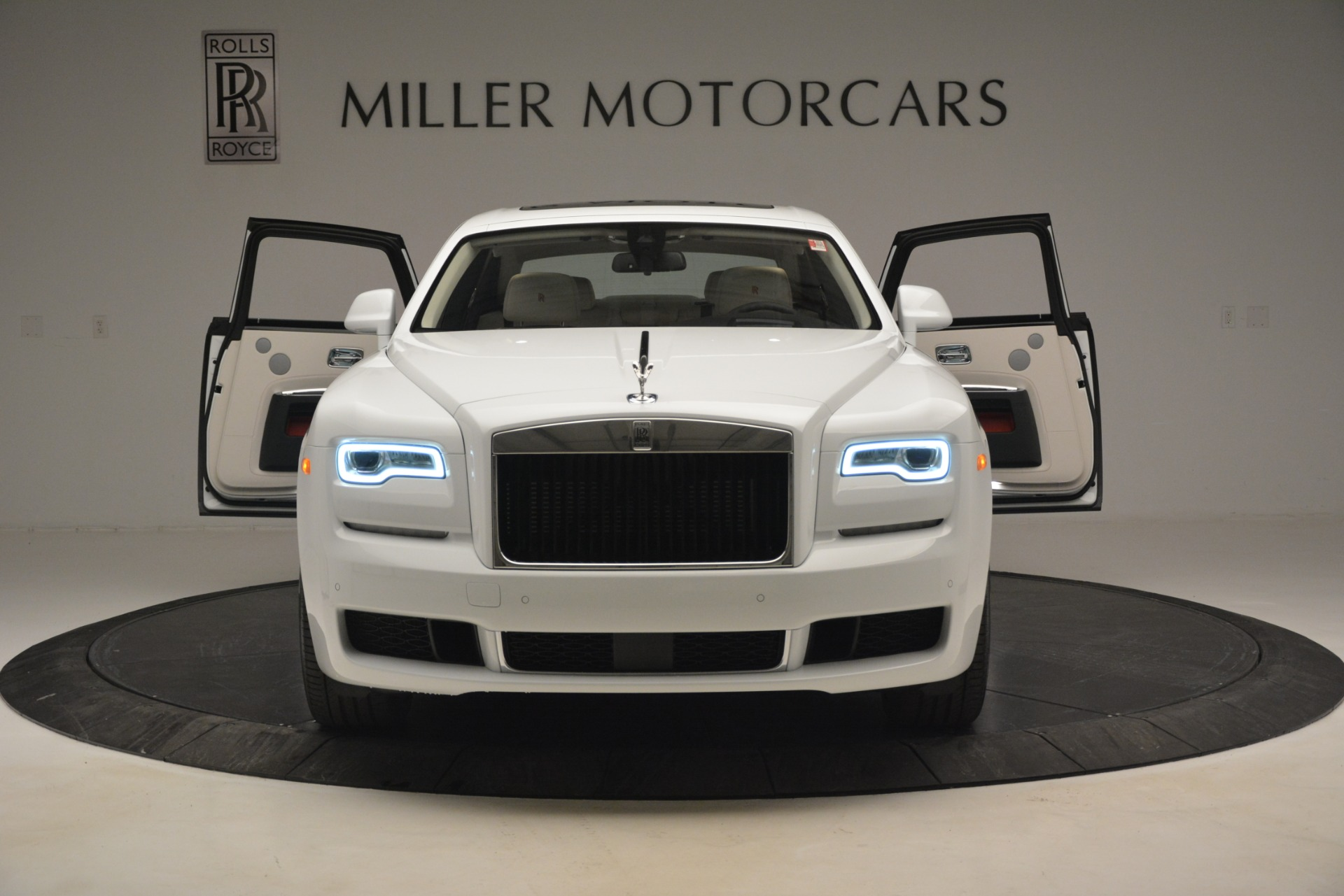 New 2019 Rolls-Royce Ghost  For Sale In Greenwich, CT 2690_p10