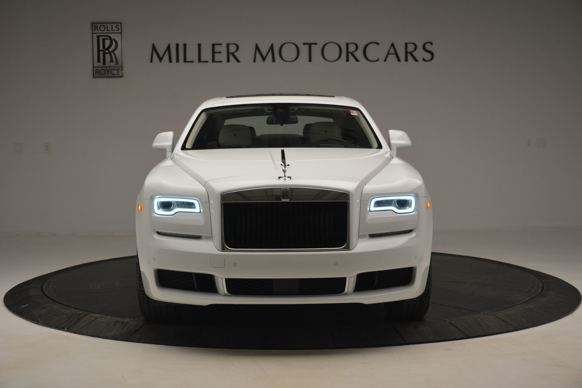 New 2019 Rolls-Royce Ghost  For Sale In Greenwich, CT 2690_p2