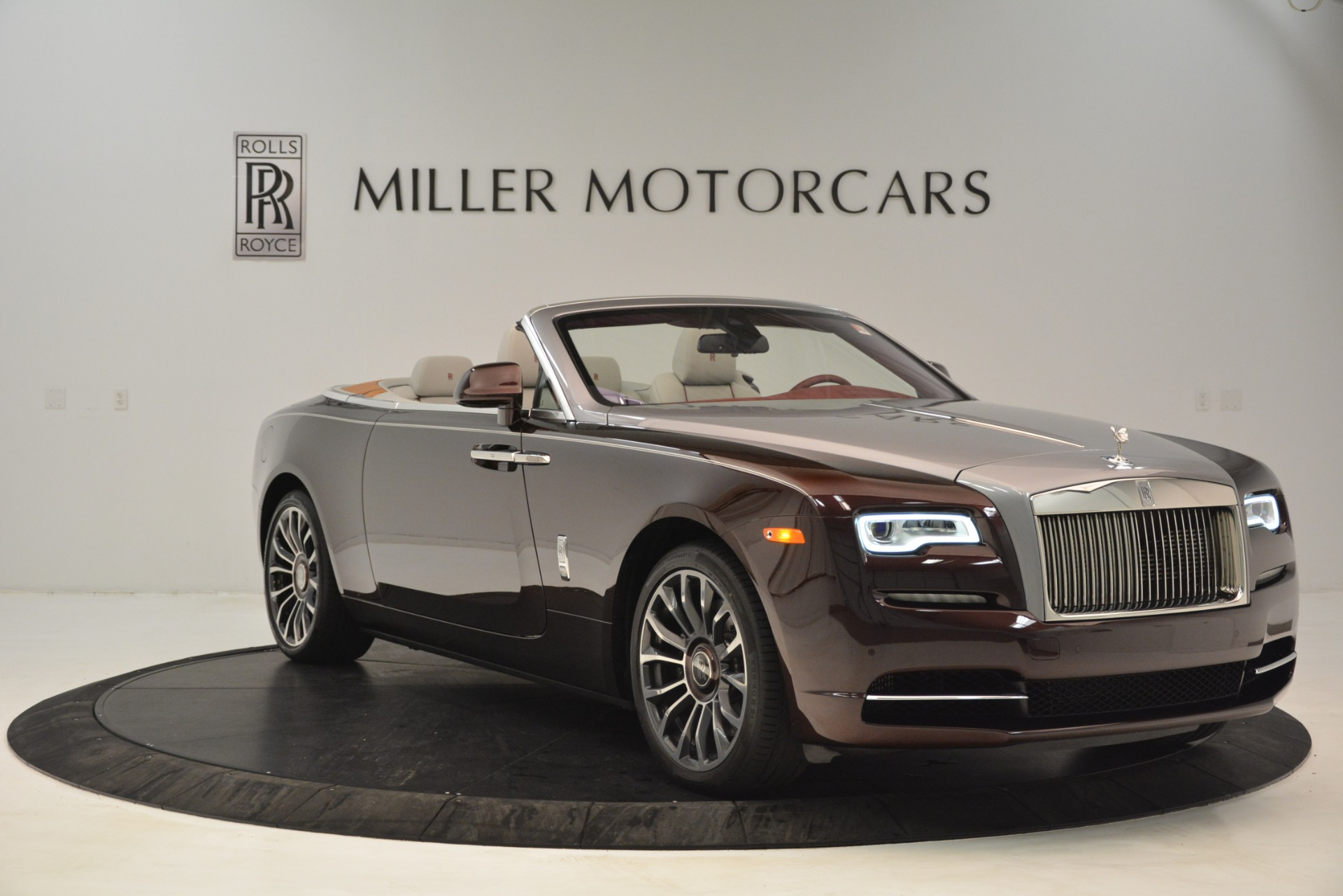Used 2019 Rolls-Royce Dawn  For Sale In Greenwich, CT 2692_p12