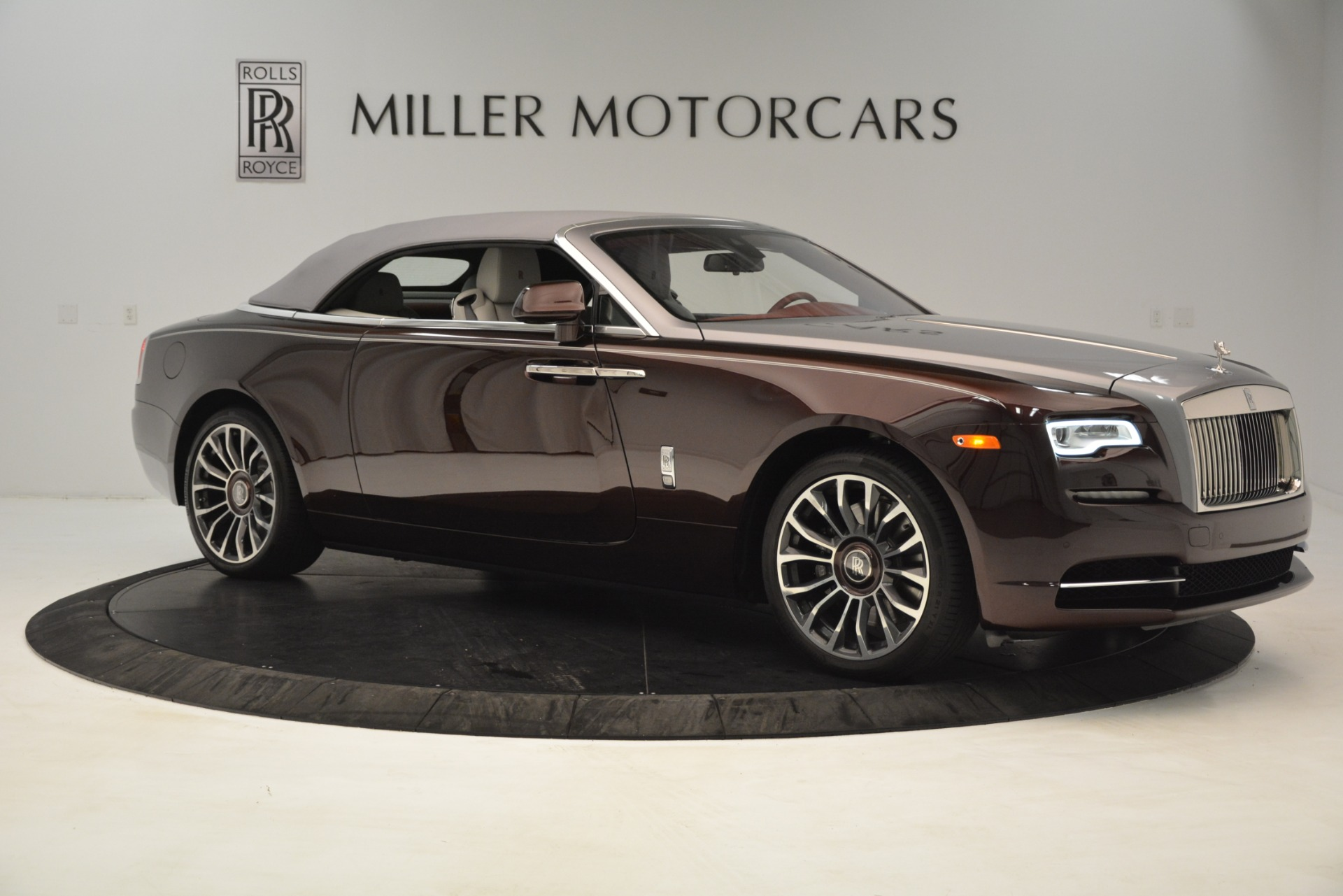 Used 2019 Rolls-Royce Dawn  For Sale In Greenwich, CT 2692_p22