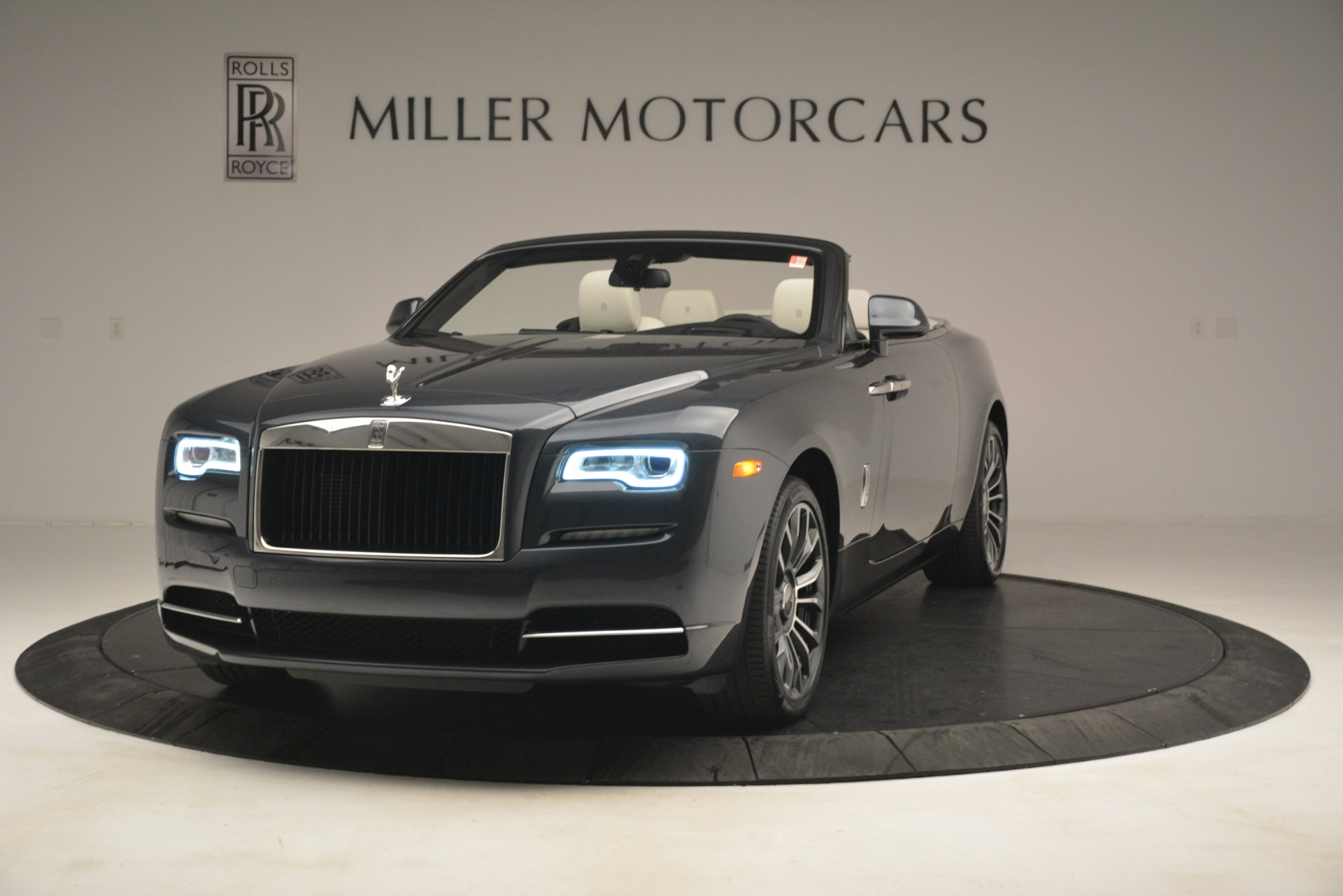 New 2019 Rolls-Royce Dawn  For Sale In Greenwich, CT 2694_main