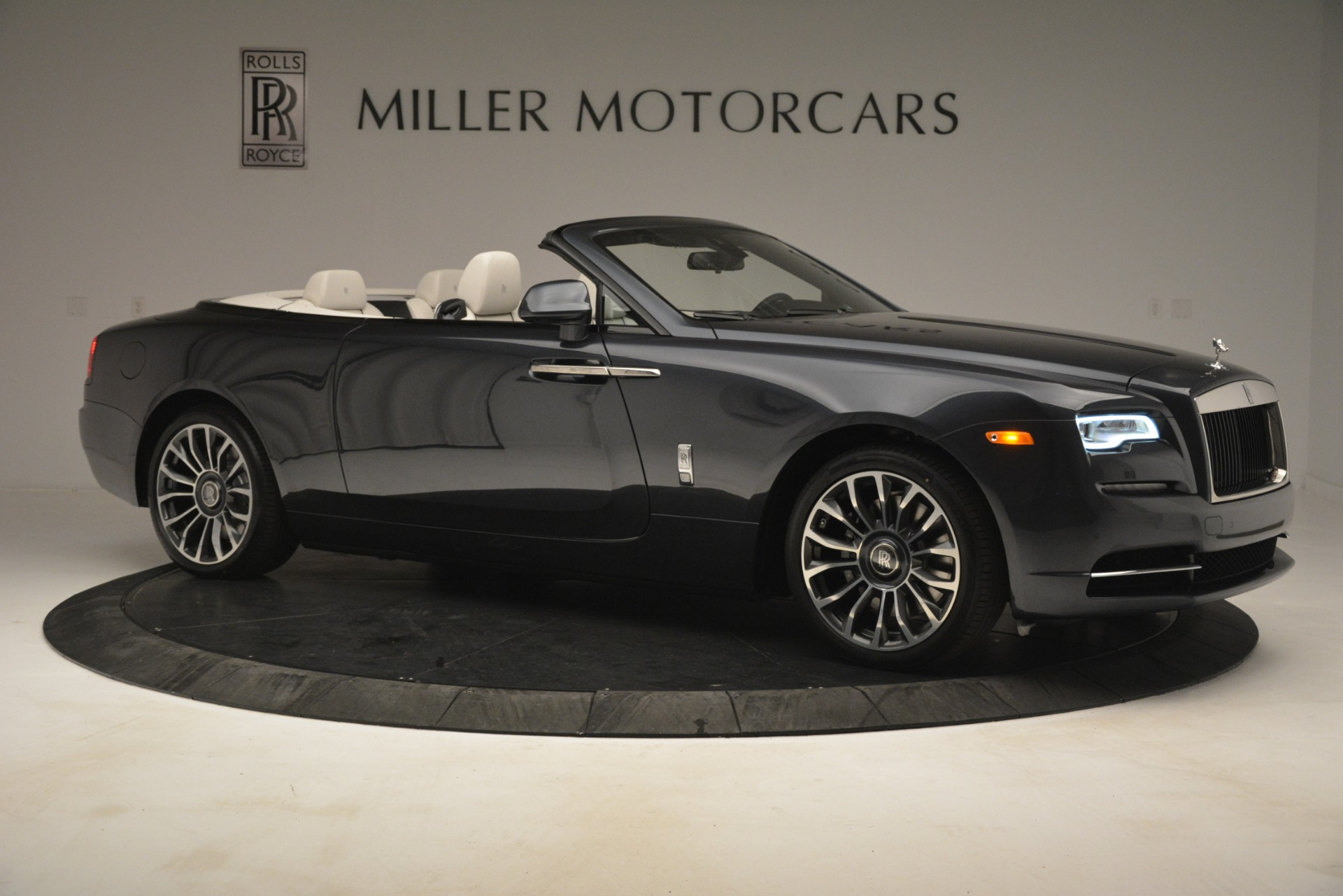 New 2019 Rolls-Royce Dawn  For Sale In Greenwich, CT 2694_p12