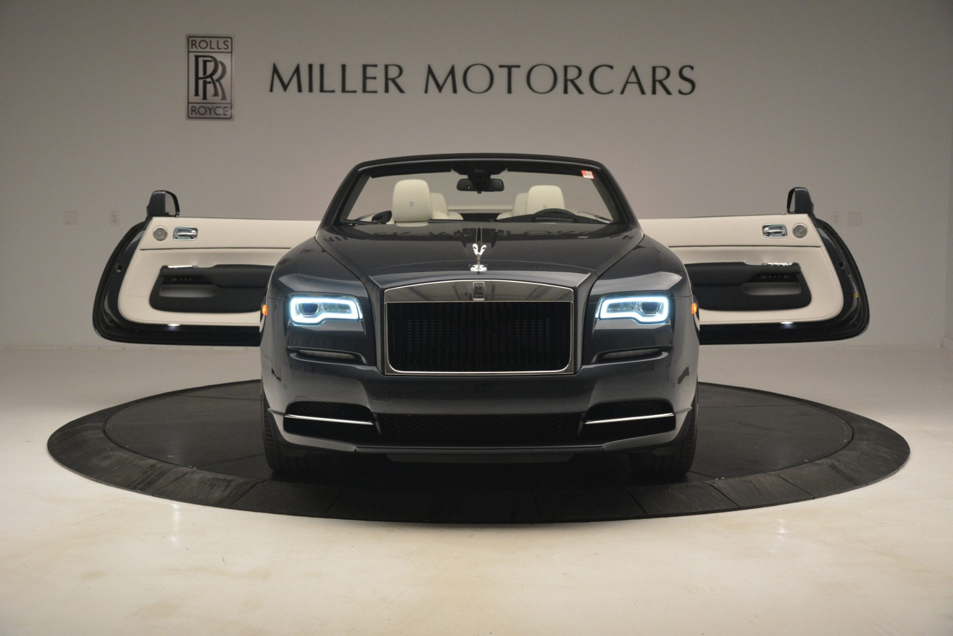 New 2019 Rolls-Royce Dawn  For Sale In Greenwich, CT 2694_p15