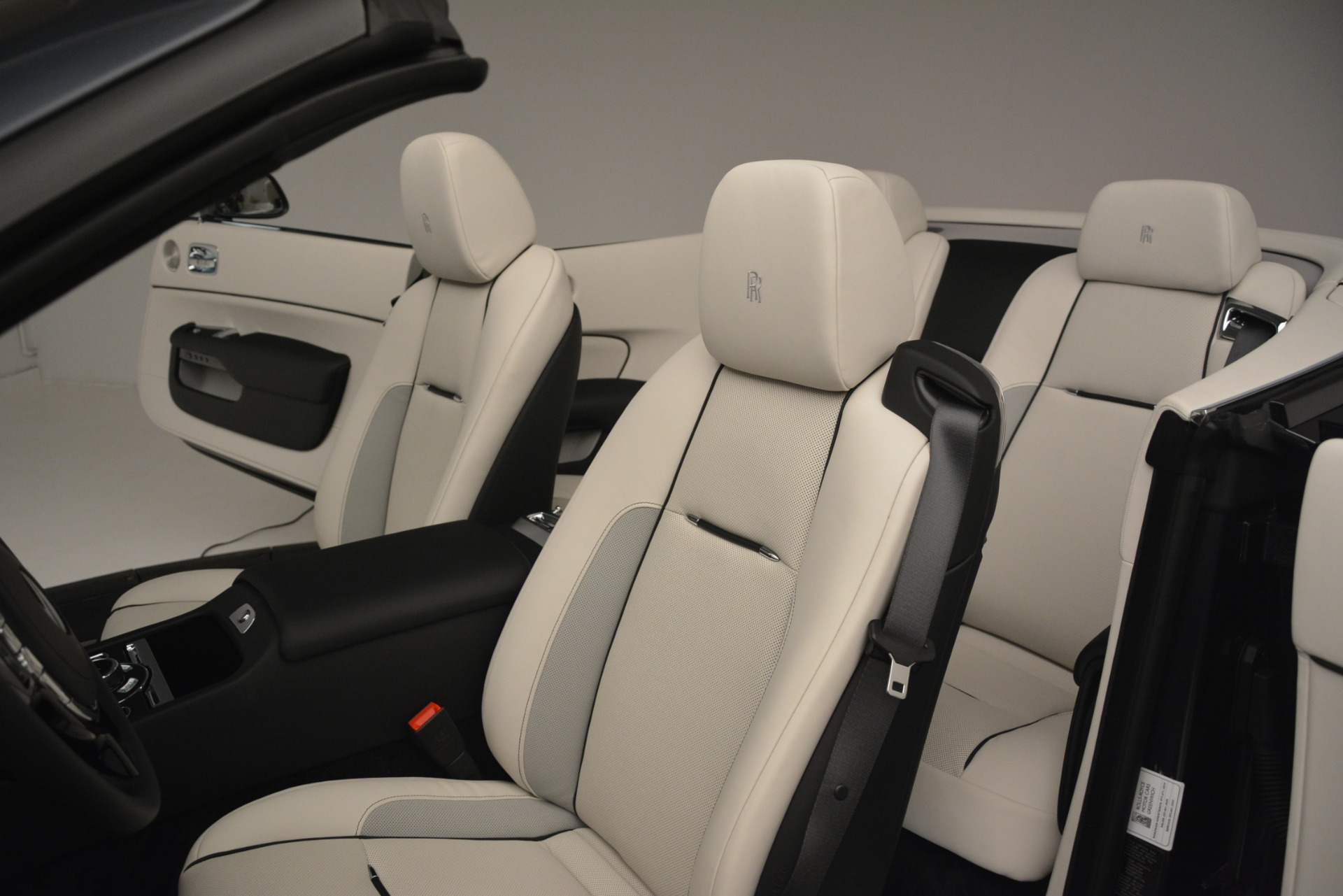 New 2019 Rolls-Royce Dawn  For Sale In Greenwich, CT 2694_p16