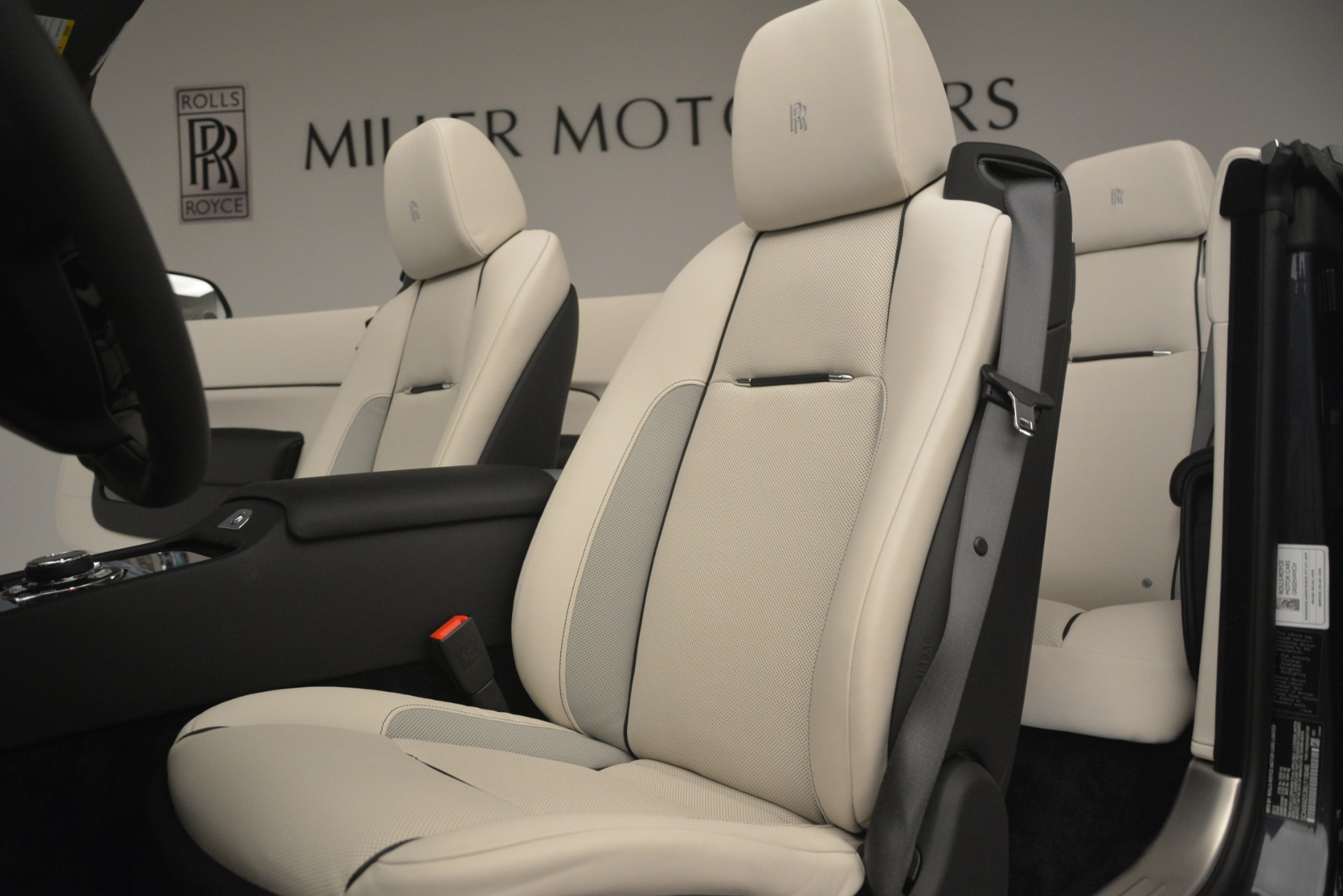 New 2019 Rolls-Royce Dawn  For Sale In Greenwich, CT 2694_p19