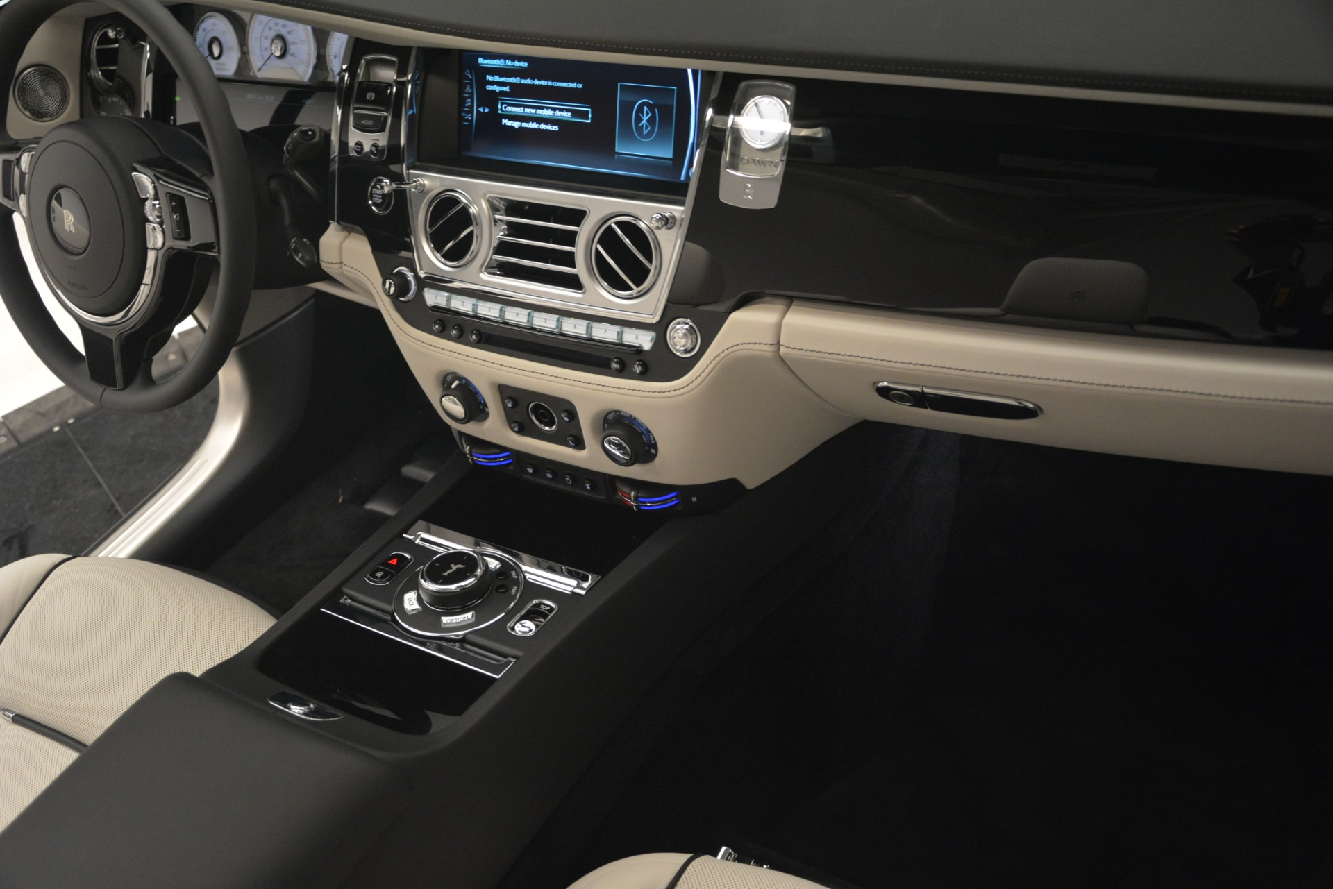 New 2019 Rolls-Royce Dawn  For Sale In Greenwich, CT 2694_p24