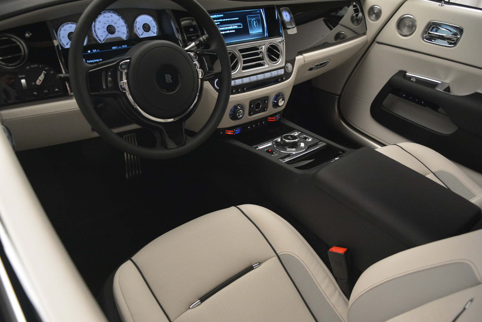 New 2019 Rolls-Royce Dawn  For Sale In Greenwich, CT 2694_p35