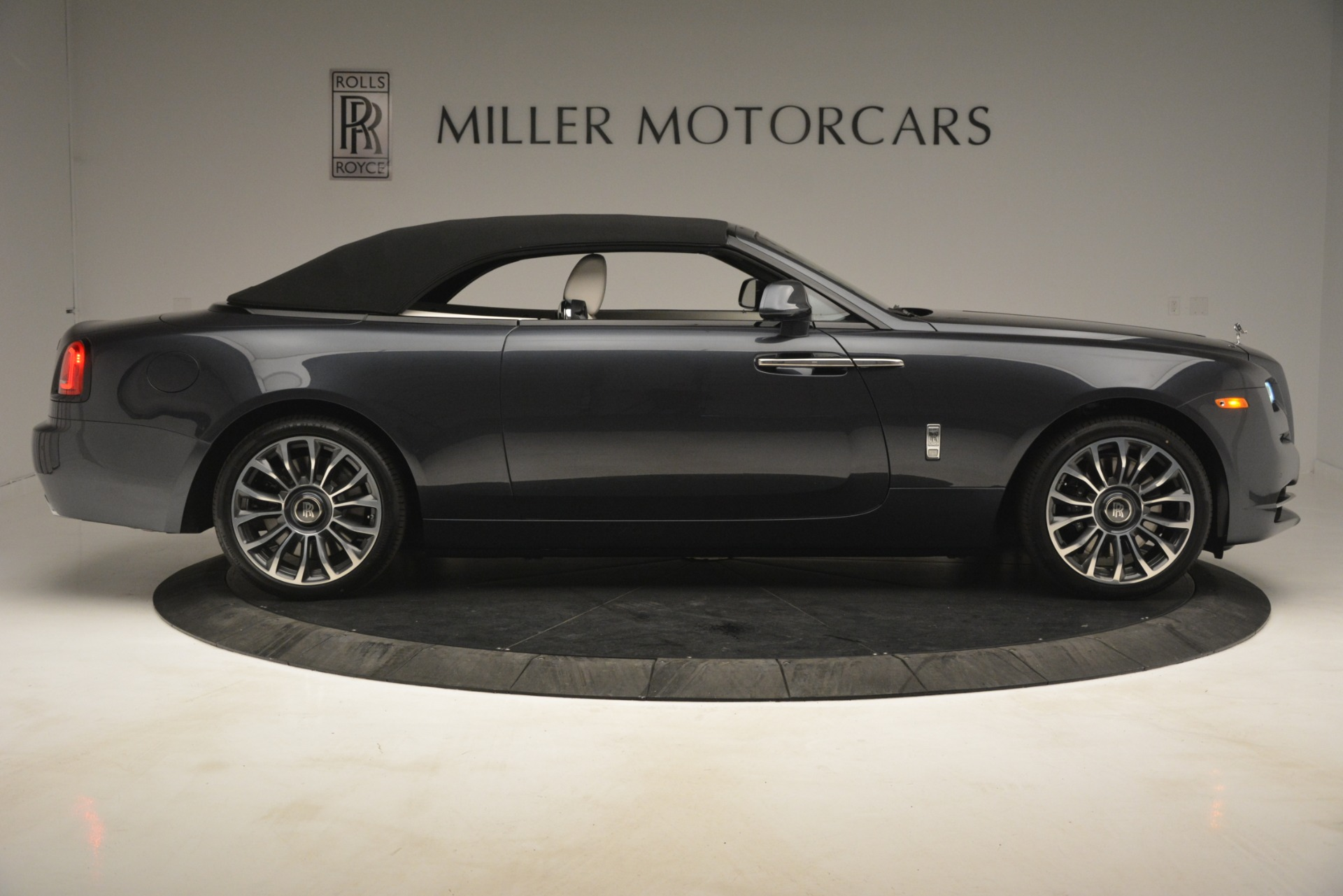 New 2019 Rolls-Royce Dawn  For Sale In Greenwich, CT 2694_p48