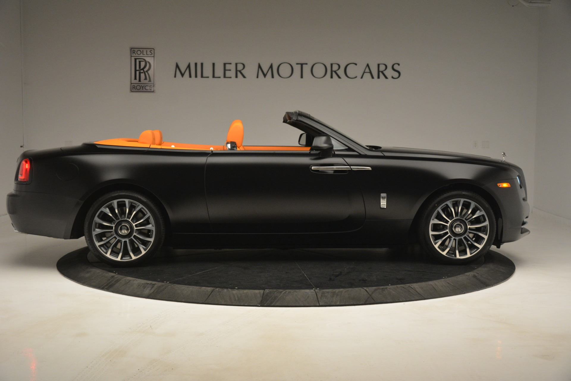 New 2019 Rolls-Royce Dawn  For Sale In Greenwich, CT 2695_p10