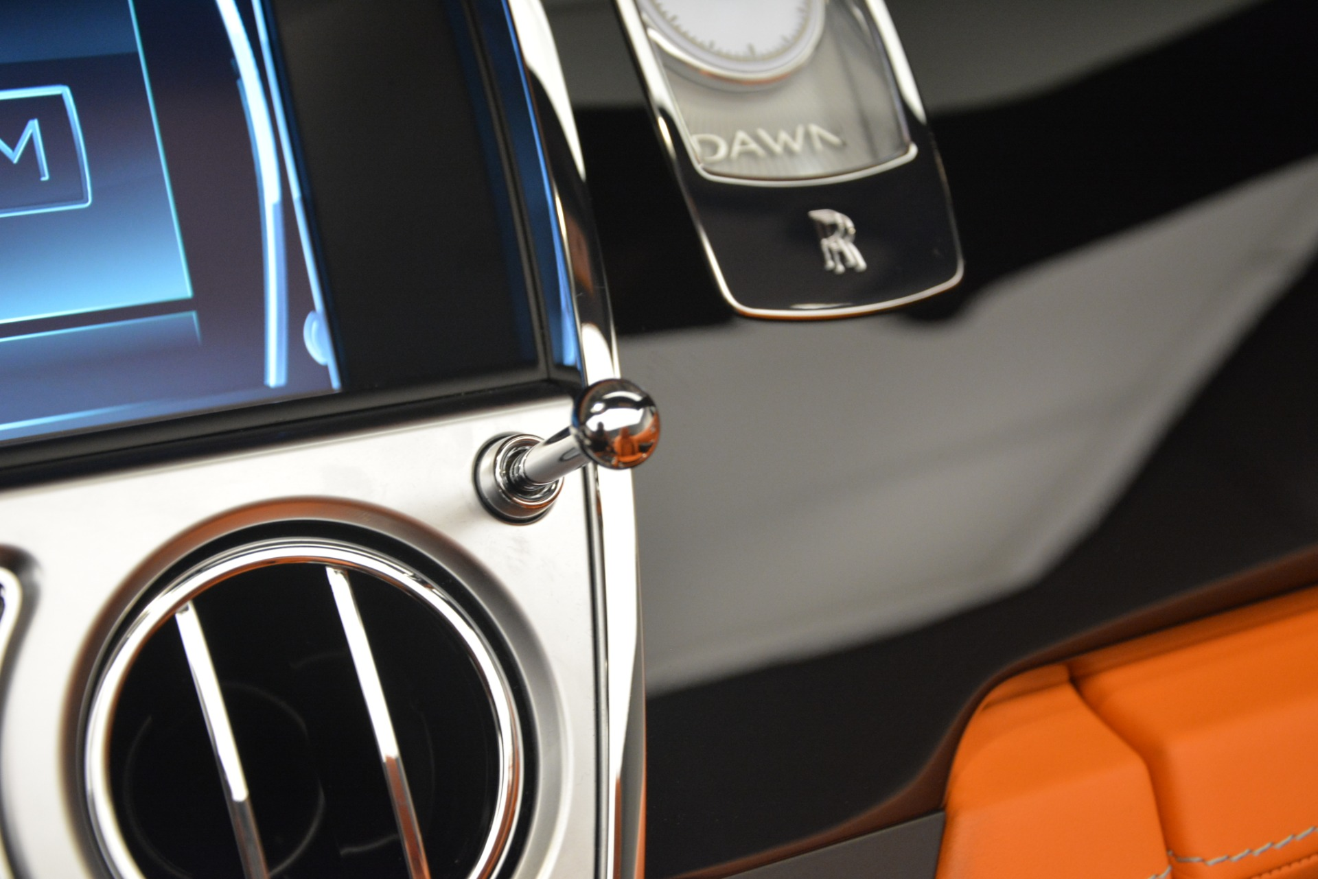 New 2019 Rolls-Royce Dawn  For Sale In Greenwich, CT 2695_p46