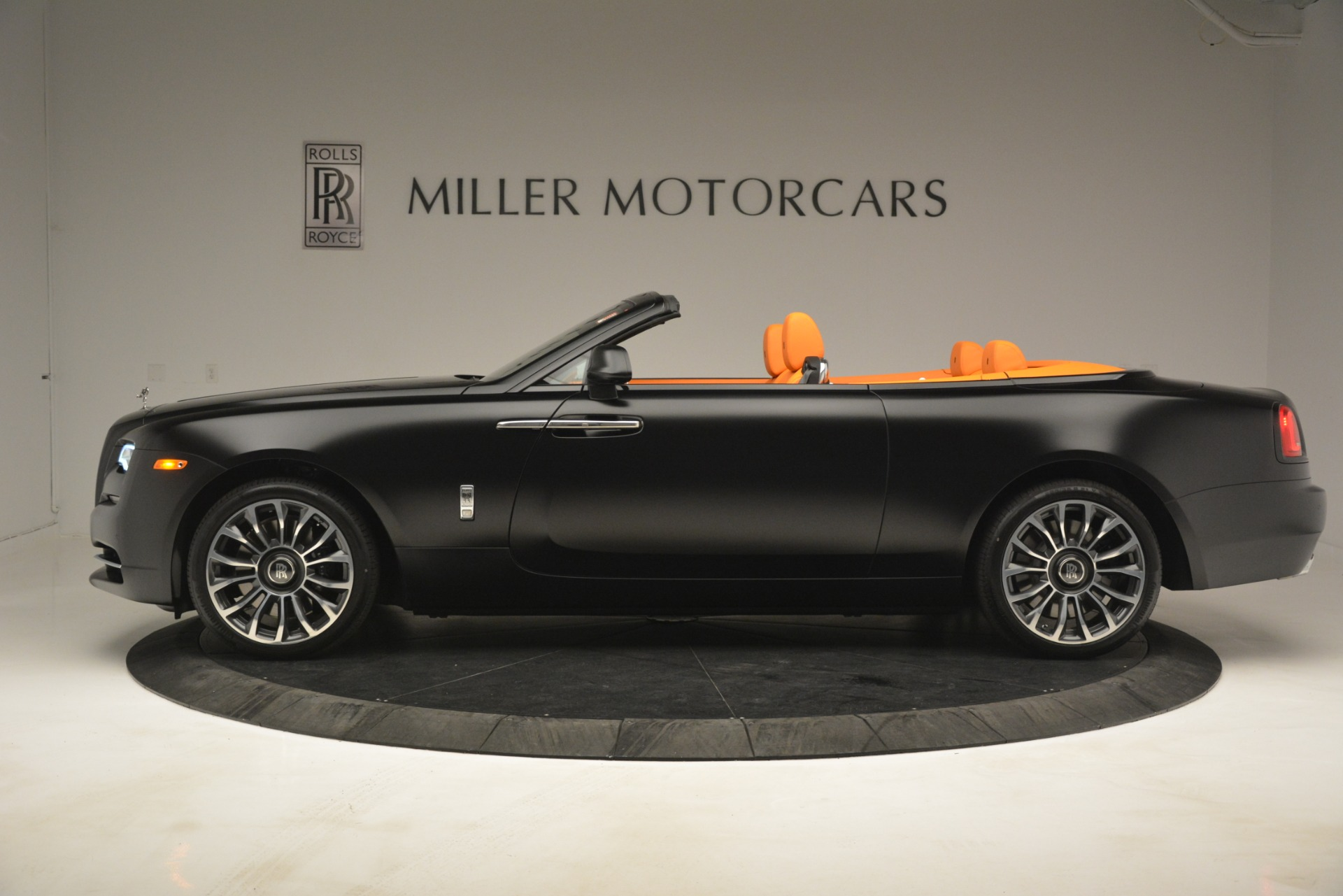 New 2019 Rolls-Royce Dawn  For Sale In Greenwich, CT 2695_p4