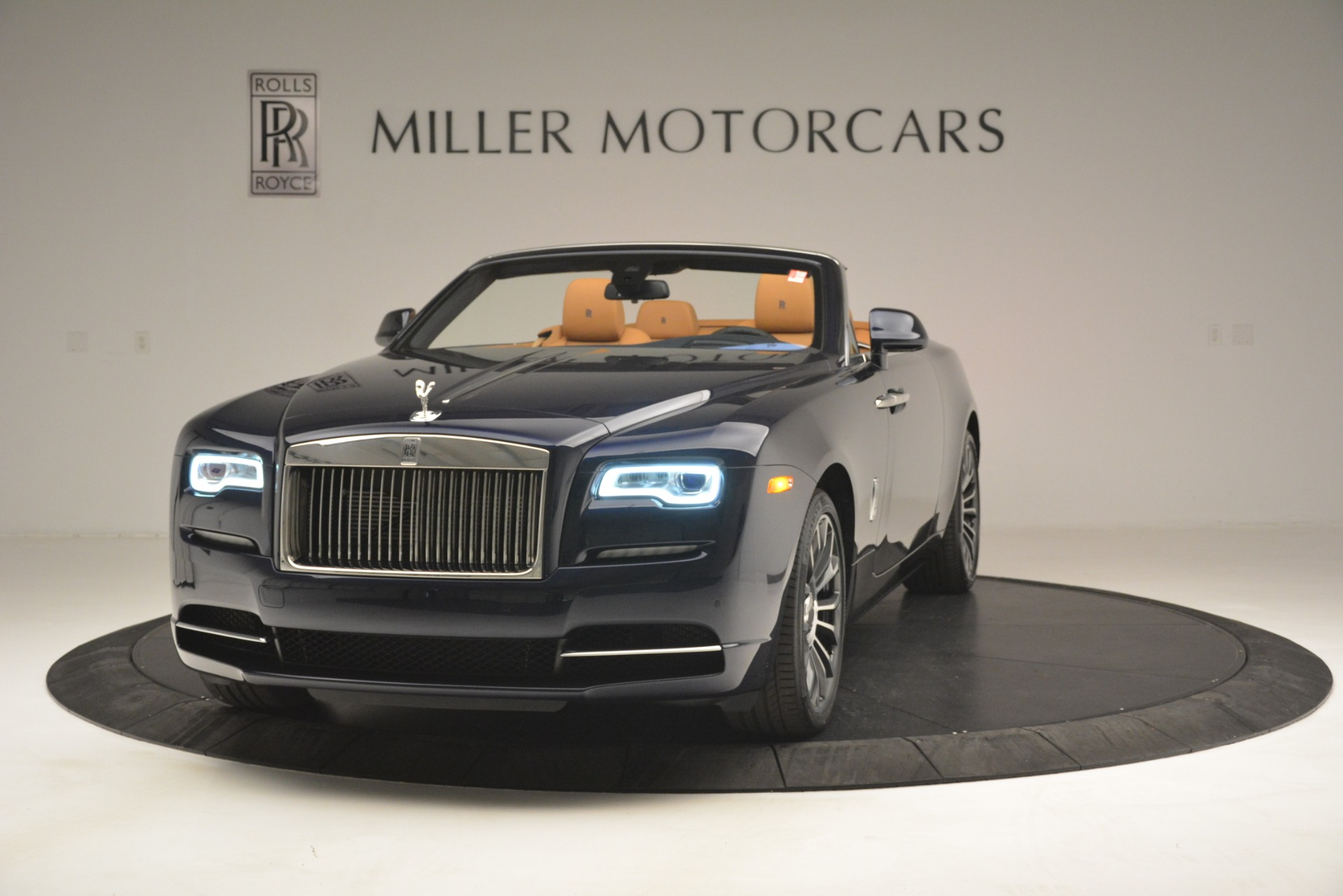 New 2019 Rolls-Royce Dawn  For Sale In Greenwich, CT 2698_main