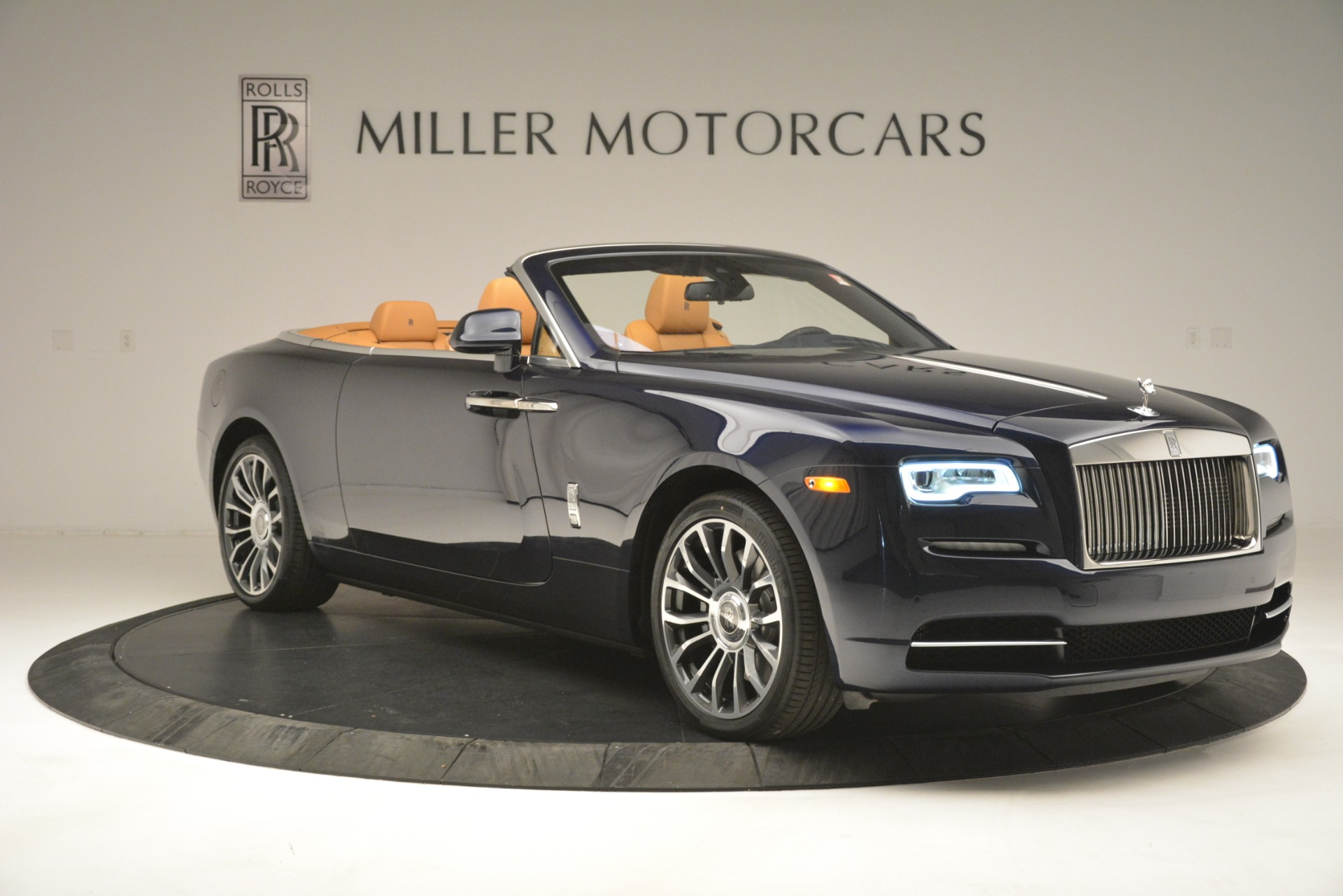 New 2019 Rolls-Royce Dawn  For Sale In Greenwich, CT 2698_p14