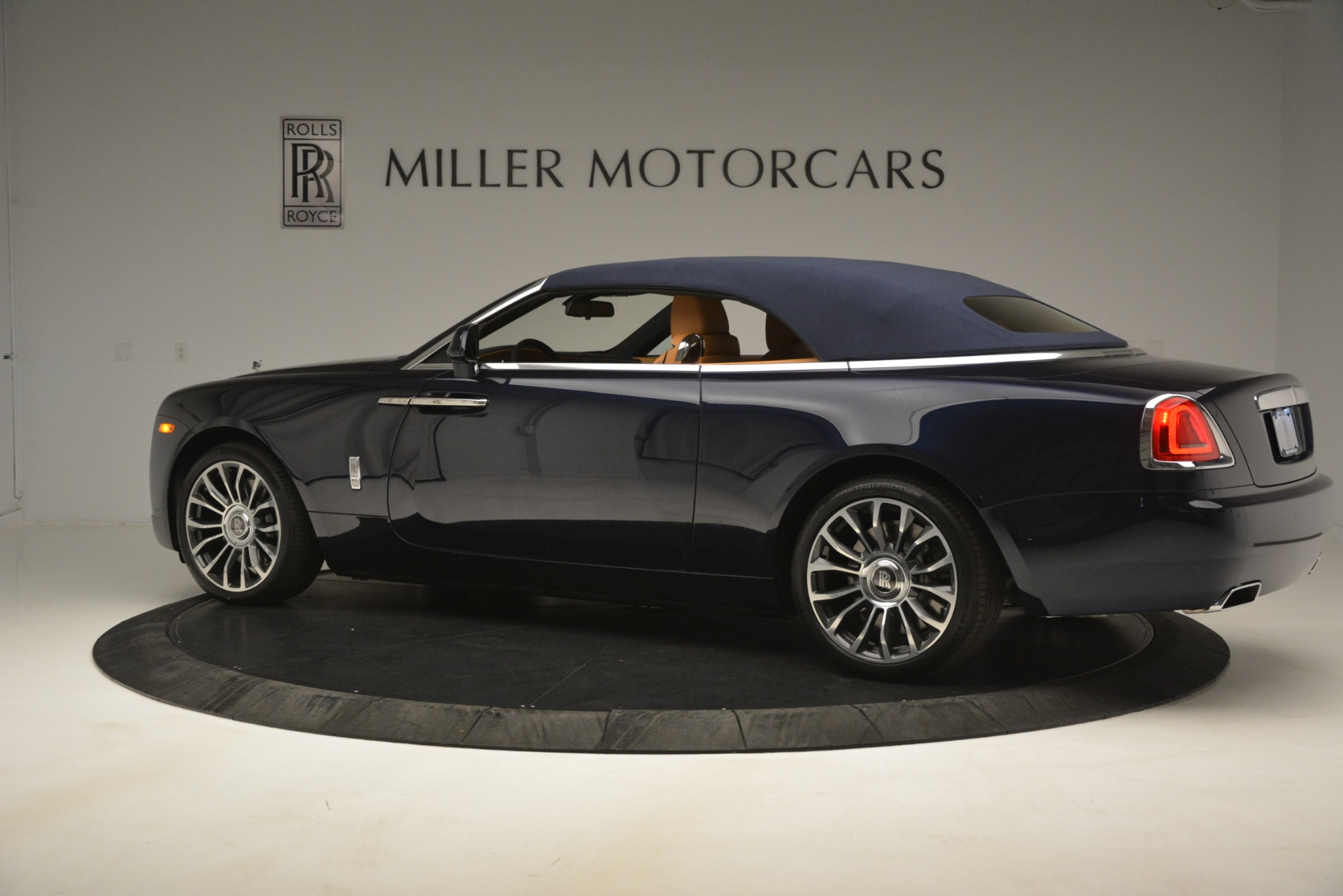 New 2019 Rolls-Royce Dawn  For Sale In Greenwich, CT 2698_p21