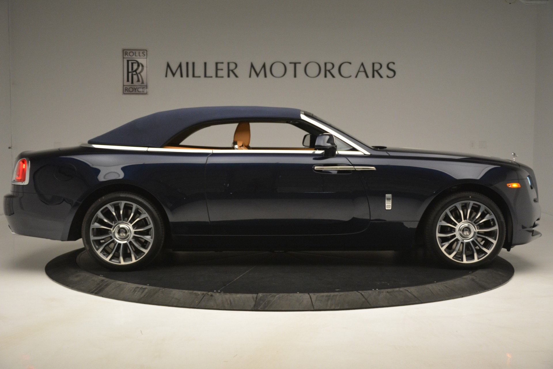 New 2019 Rolls-Royce Dawn  For Sale In Greenwich, CT 2698_p26