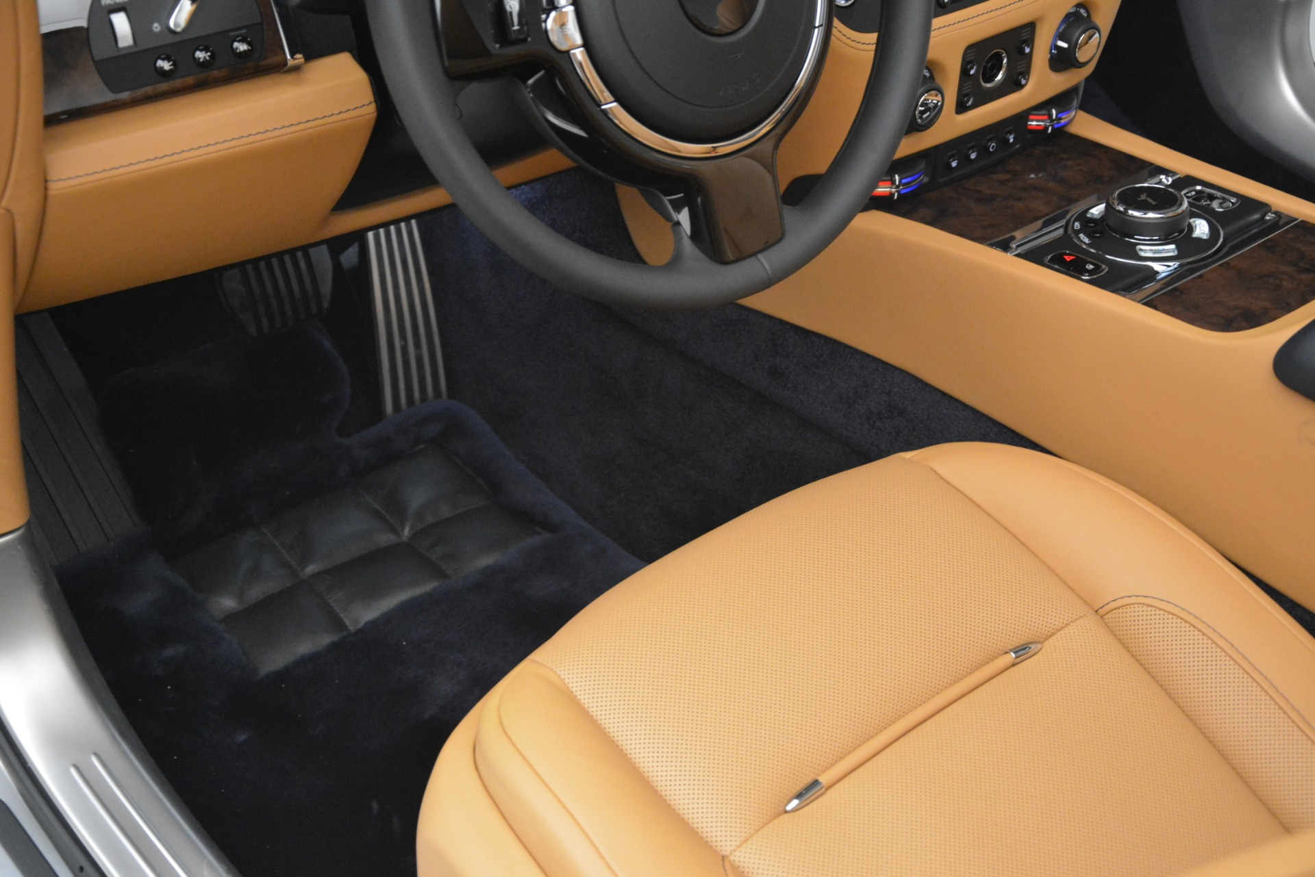 New 2019 Rolls-Royce Dawn  For Sale In Greenwich, CT 2698_p42