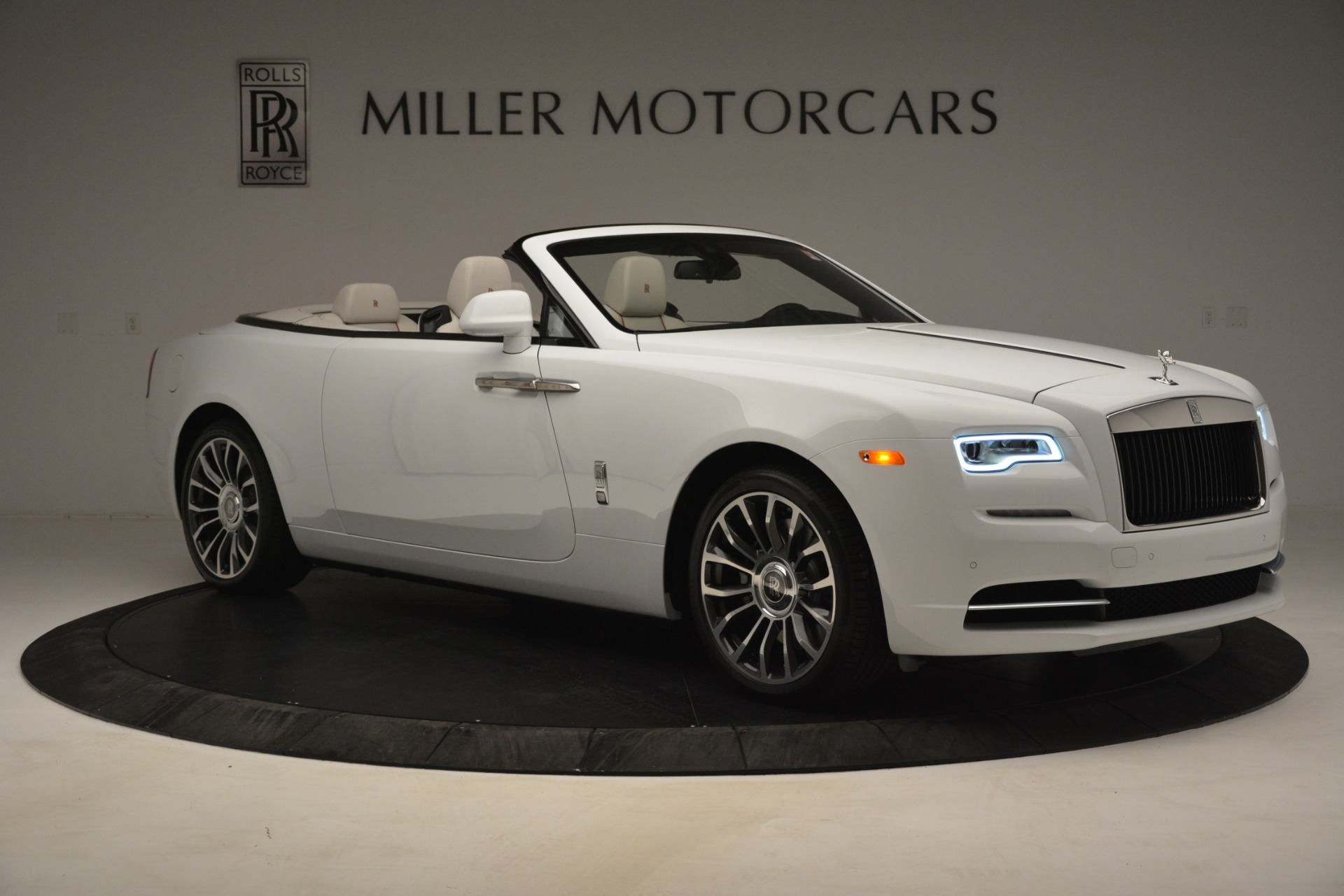 New 2019 Rolls-Royce Dawn  For Sale In Greenwich, CT 2699_p13