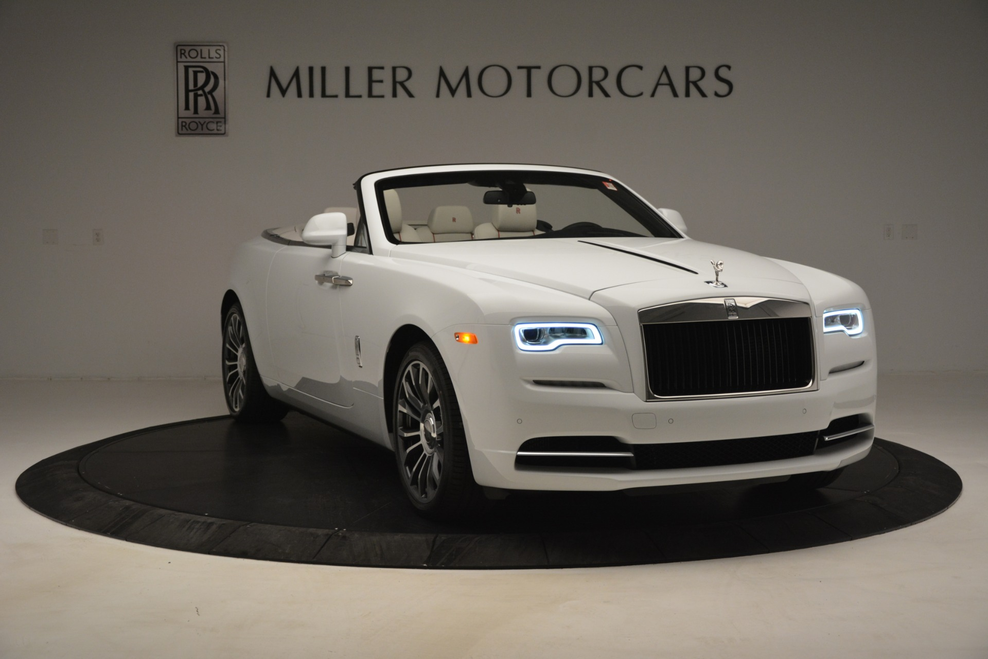 New 2019 Rolls-Royce Dawn  For Sale In Greenwich, CT 2699_p14