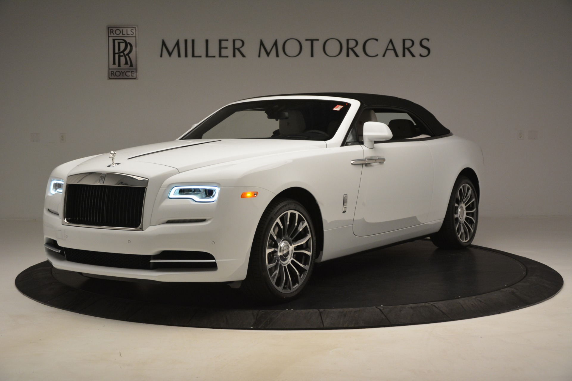 New 2019 Rolls-Royce Dawn  For Sale In Greenwich, CT 2699_p18