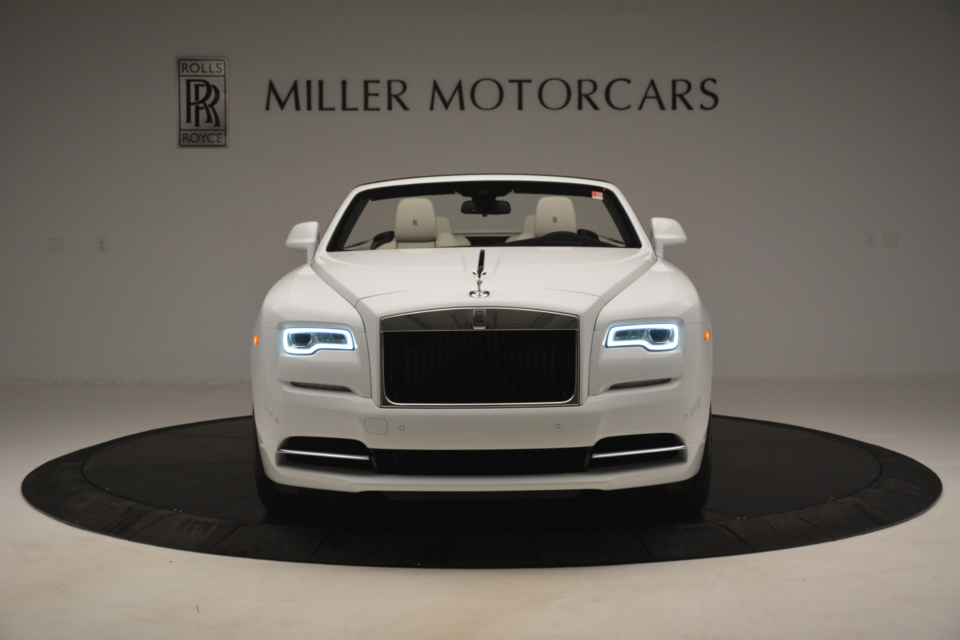 New 2019 Rolls-Royce Dawn  For Sale In Greenwich, CT 2699_p3