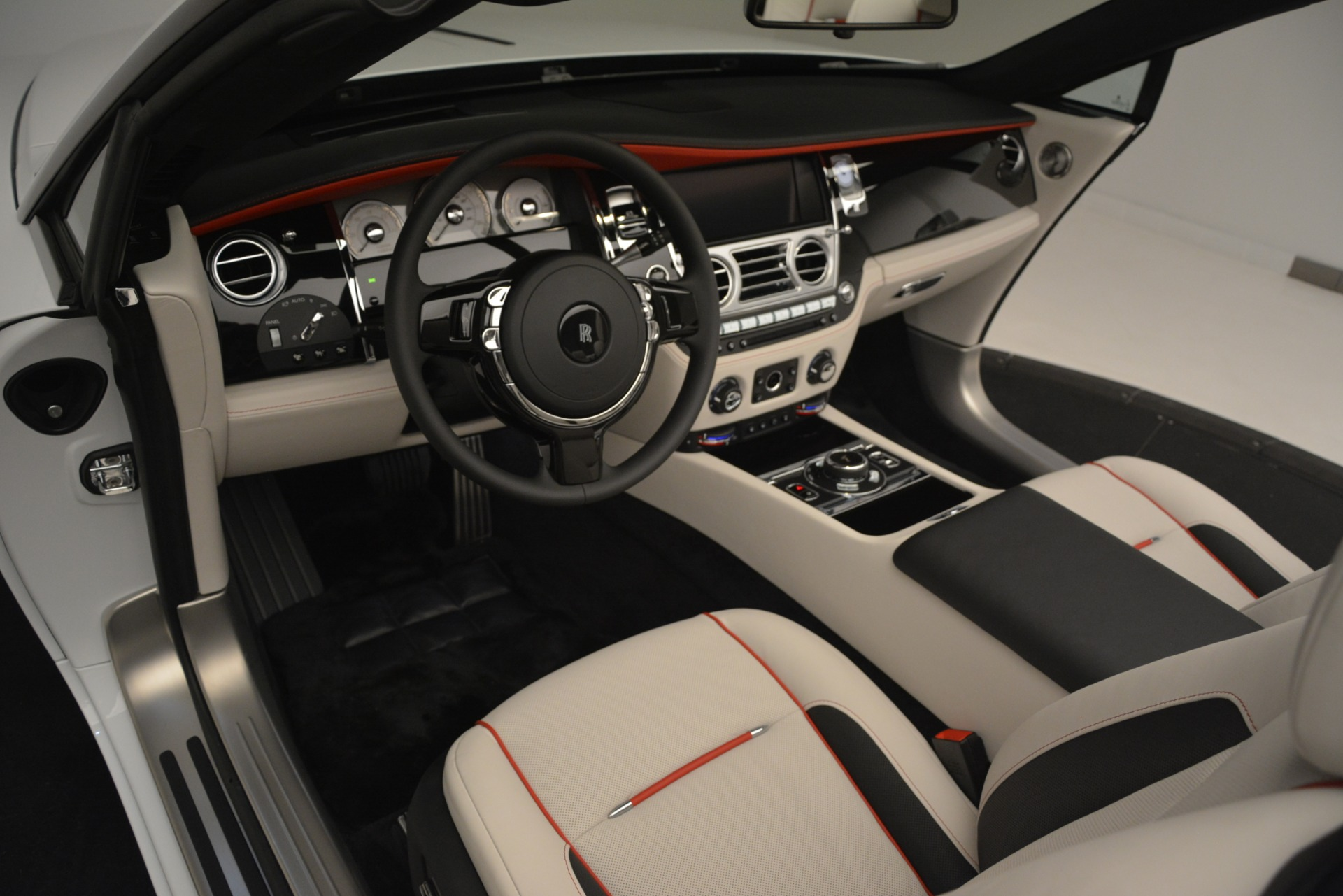 New 2019 Rolls-Royce Dawn  For Sale In Greenwich, CT 2699_p44